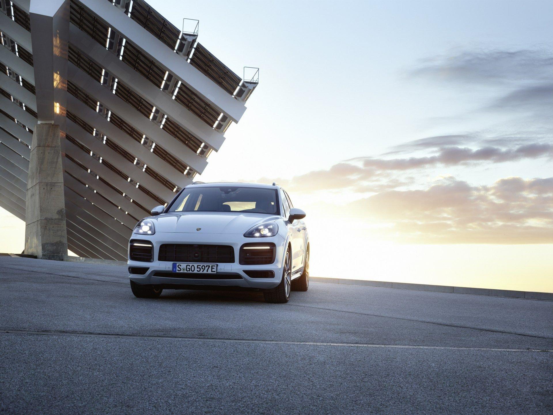 Porsche_Cayenne_E-Hybrid_0001