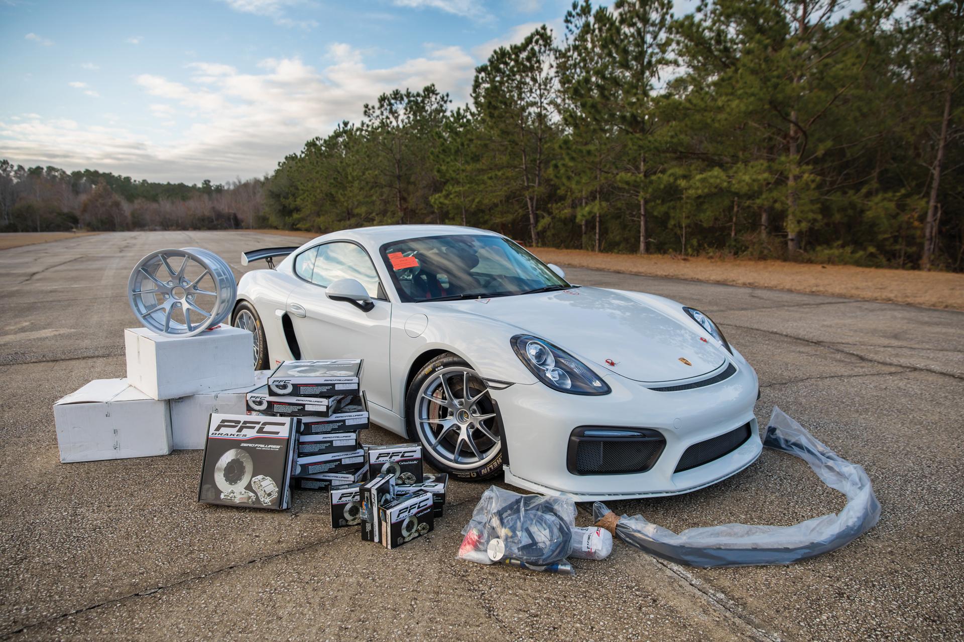 2018 RM - 2016 Porsche Cayman GT4 Clubsport 033A - Deremer Studi