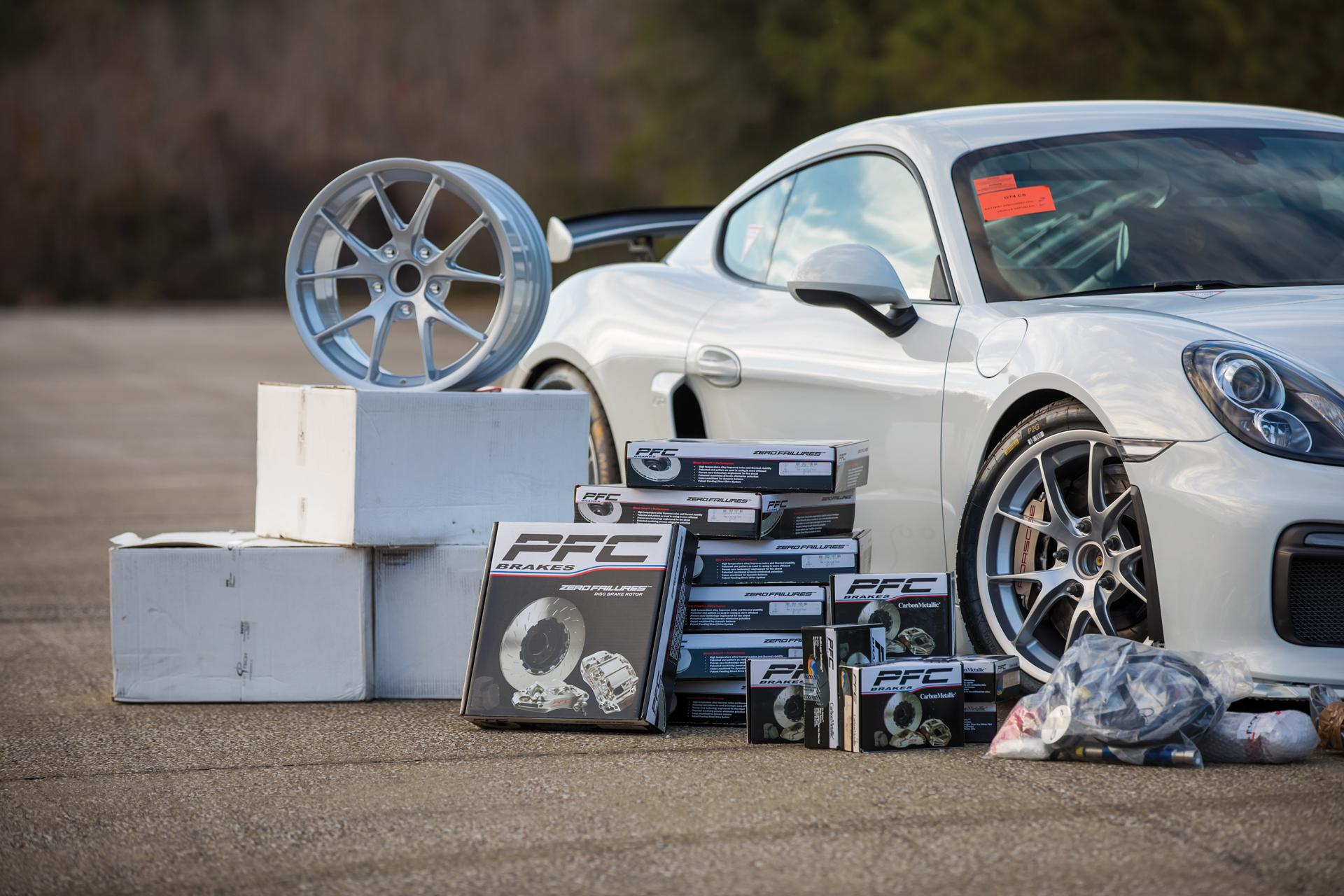 2018 RM - 2016 Porsche Cayman GT4 Clubsport 032A - Deremer Studi