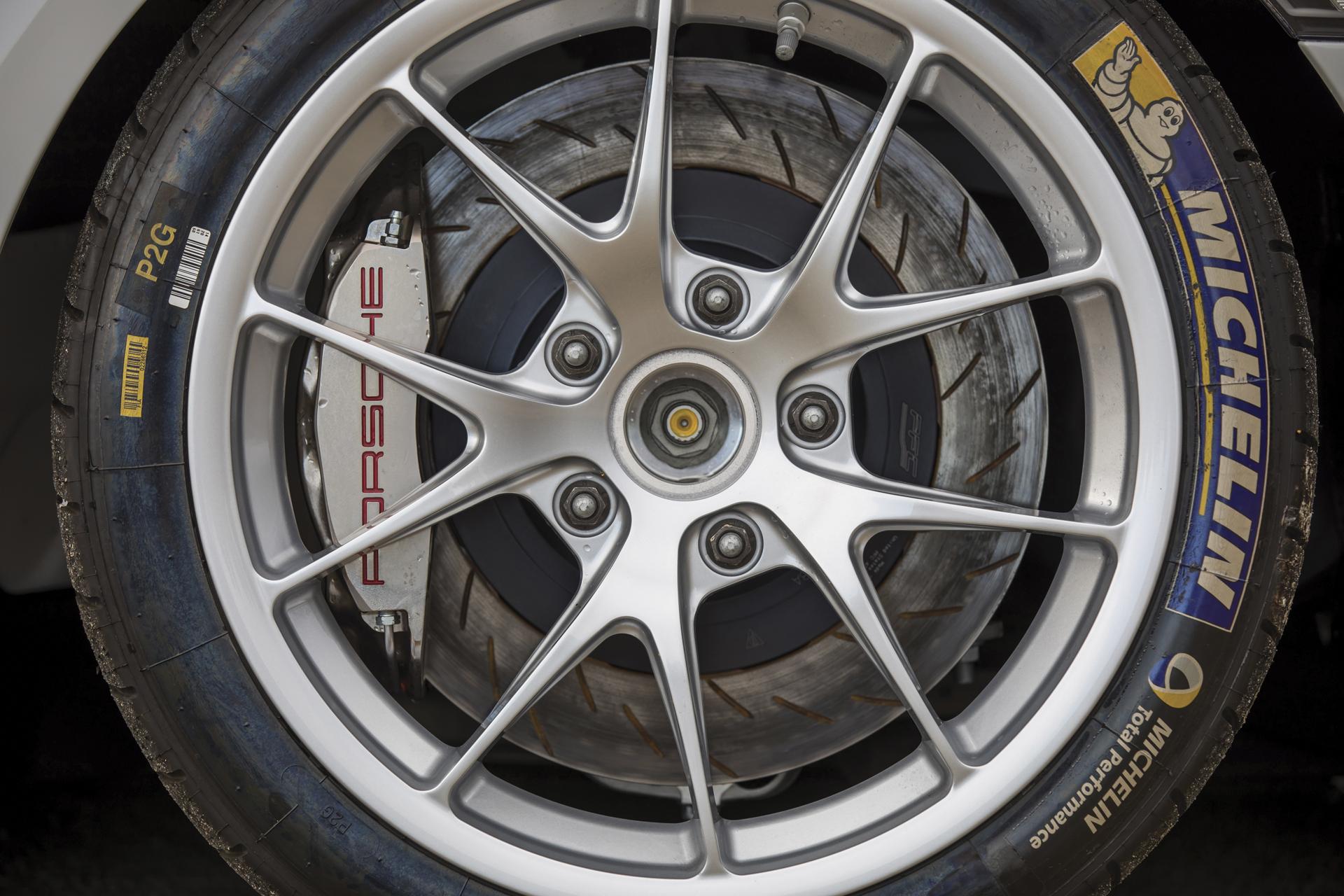 2018 RM - 2016 Porsche Cayman GT4 Clubsport 008A - Deremer Studi