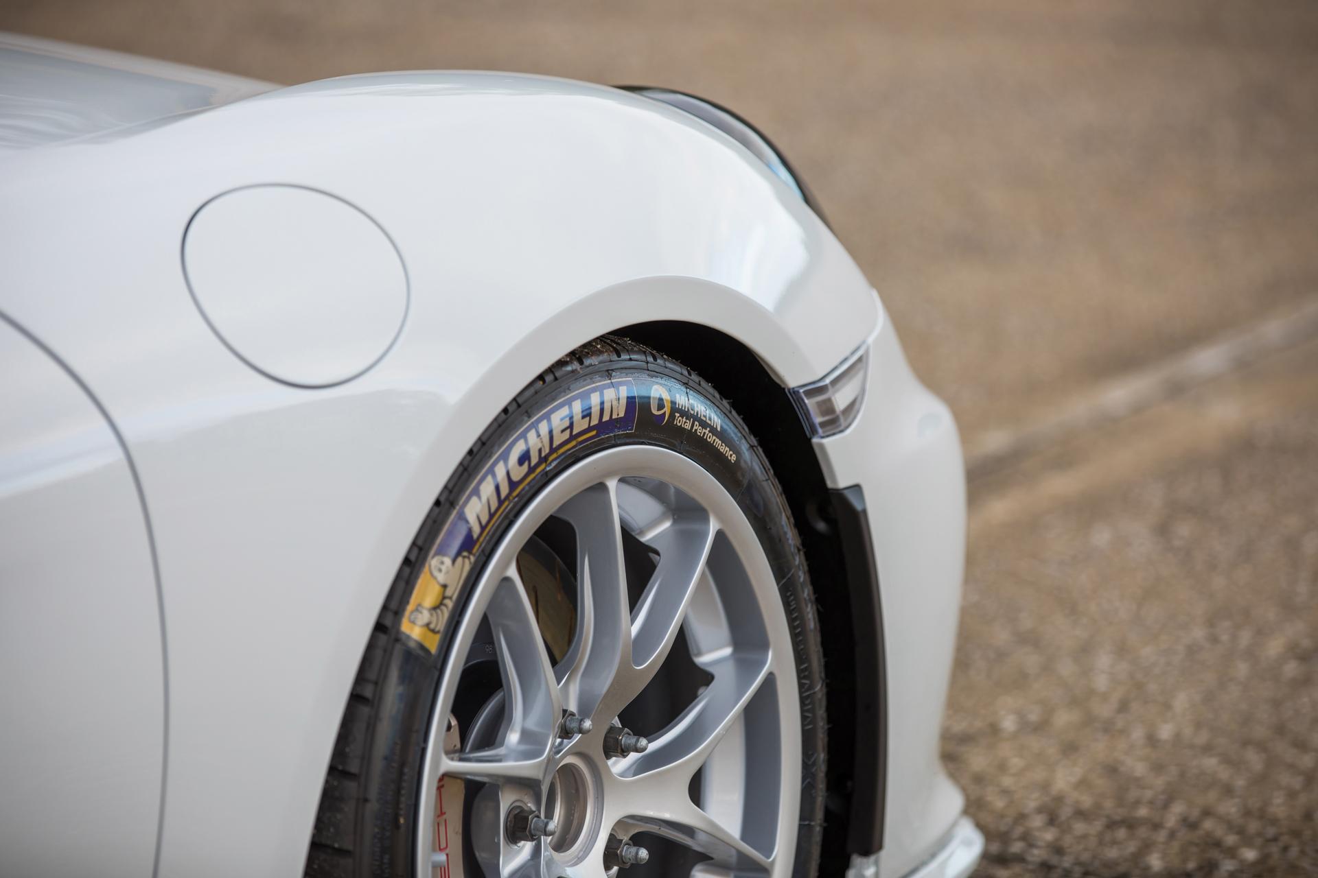 2018 RM - 2016 Porsche Cayman GT4 Clubsport 007A - Deremer Studi