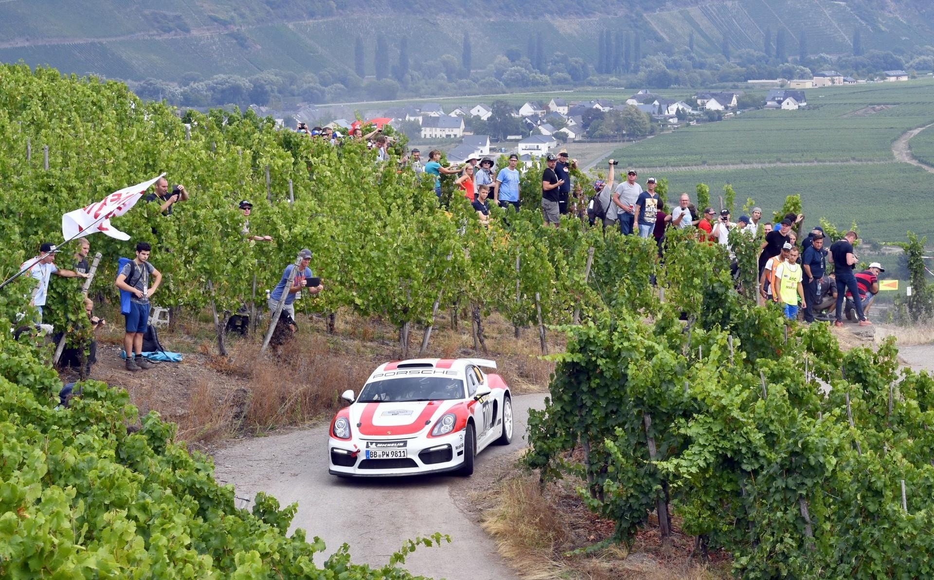 porsche-cayman-gt4-clubsport-rally-concept-11-1