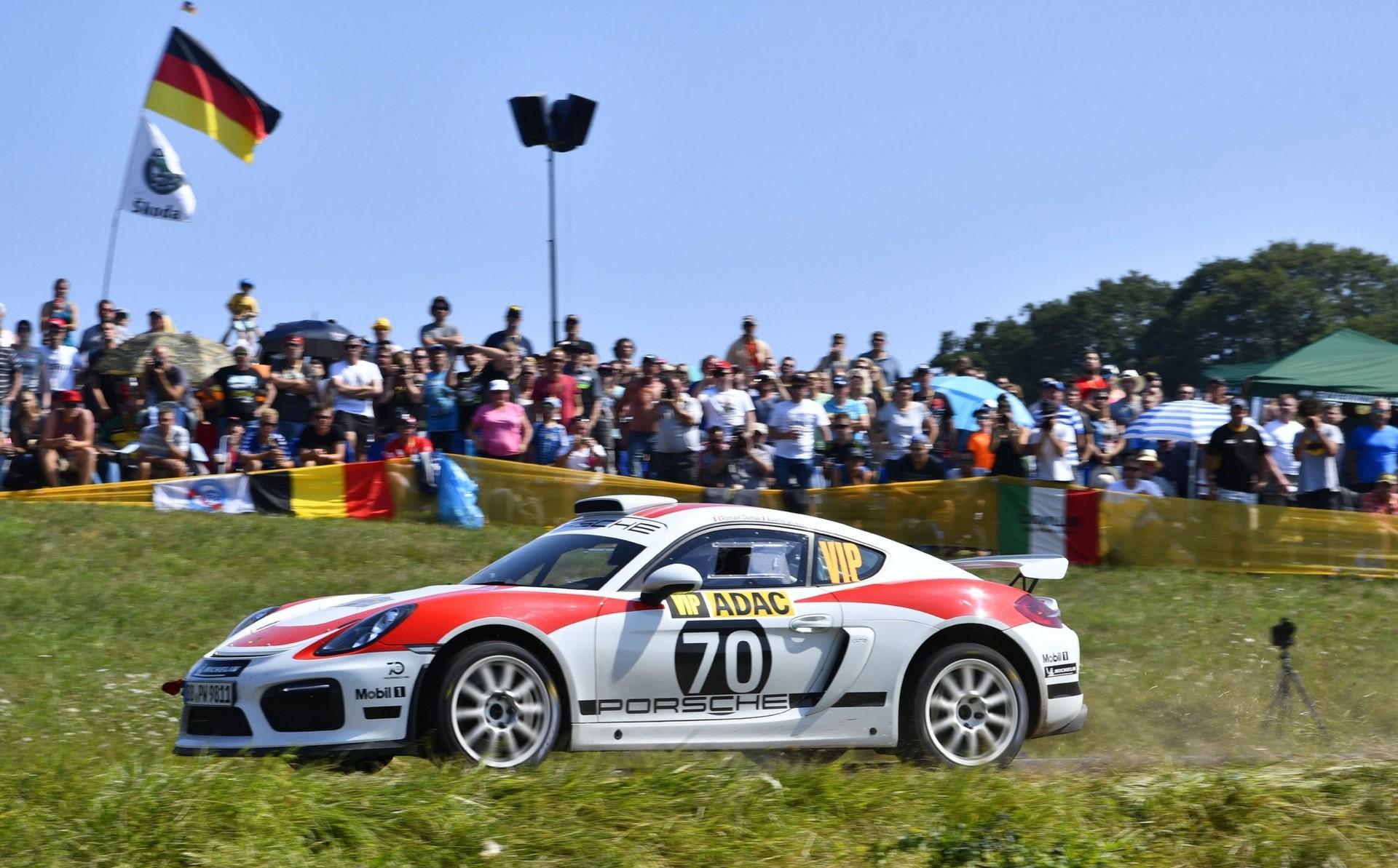 porsche-cayman-gt4-clubsport-rally-concept-16-1