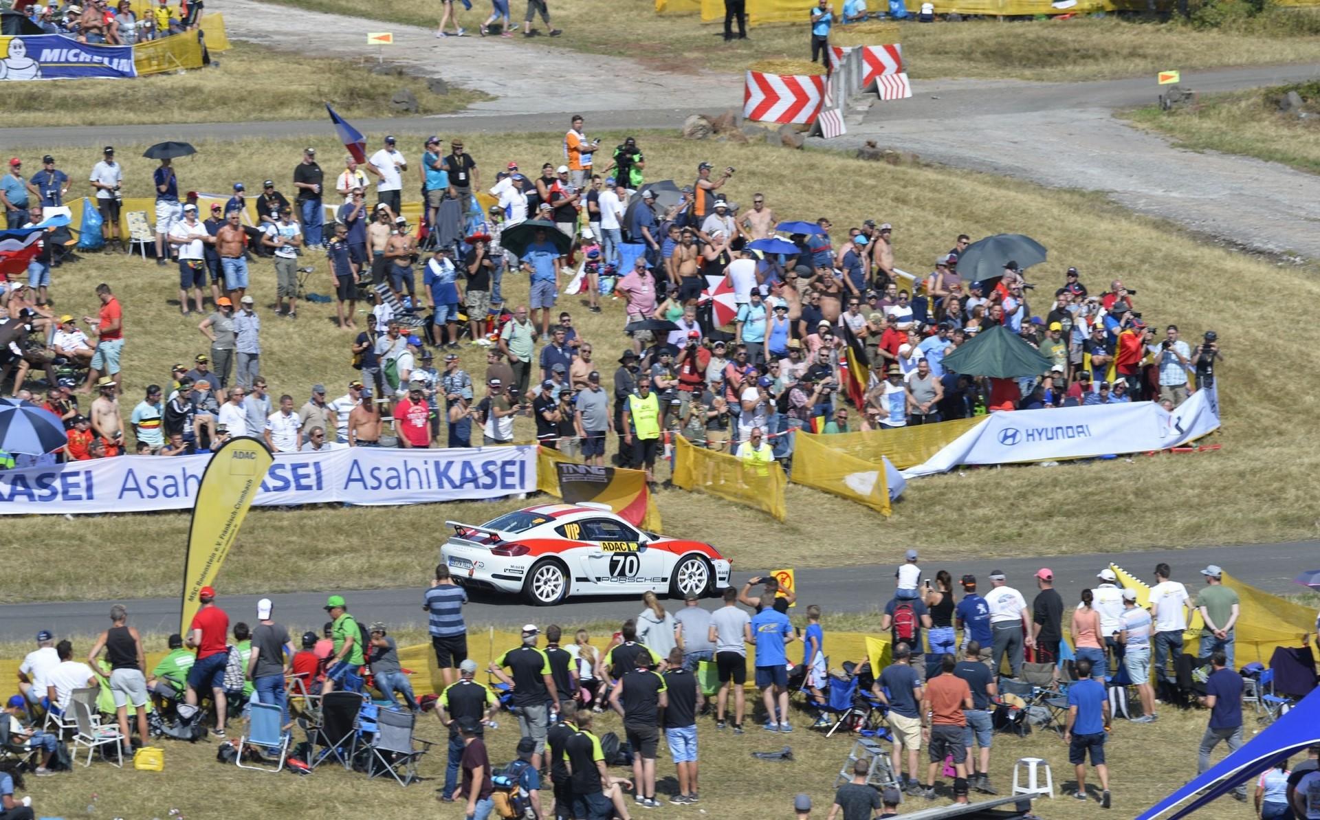 porsche-cayman-gt4-clubsport-rally-concept-18-1