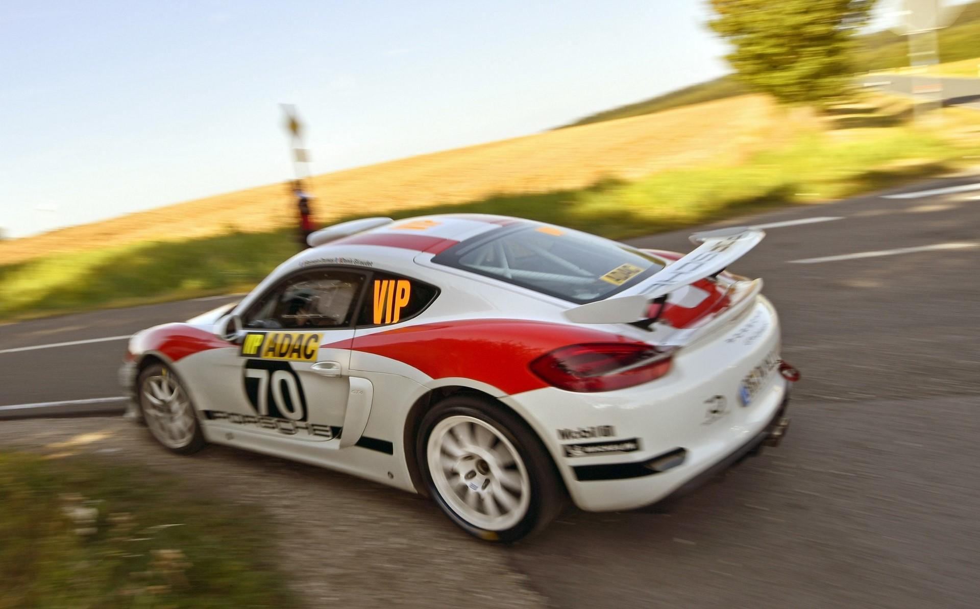 porsche-cayman-gt4-clubsport-rally-concept-23-1
