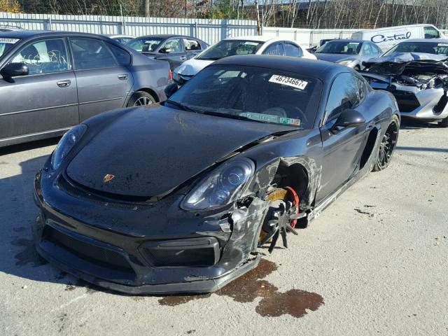 Porsche Cayman GT4 crashed (1)