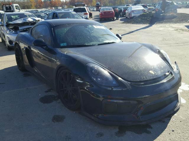 Porsche Cayman GT4 crashed (3)