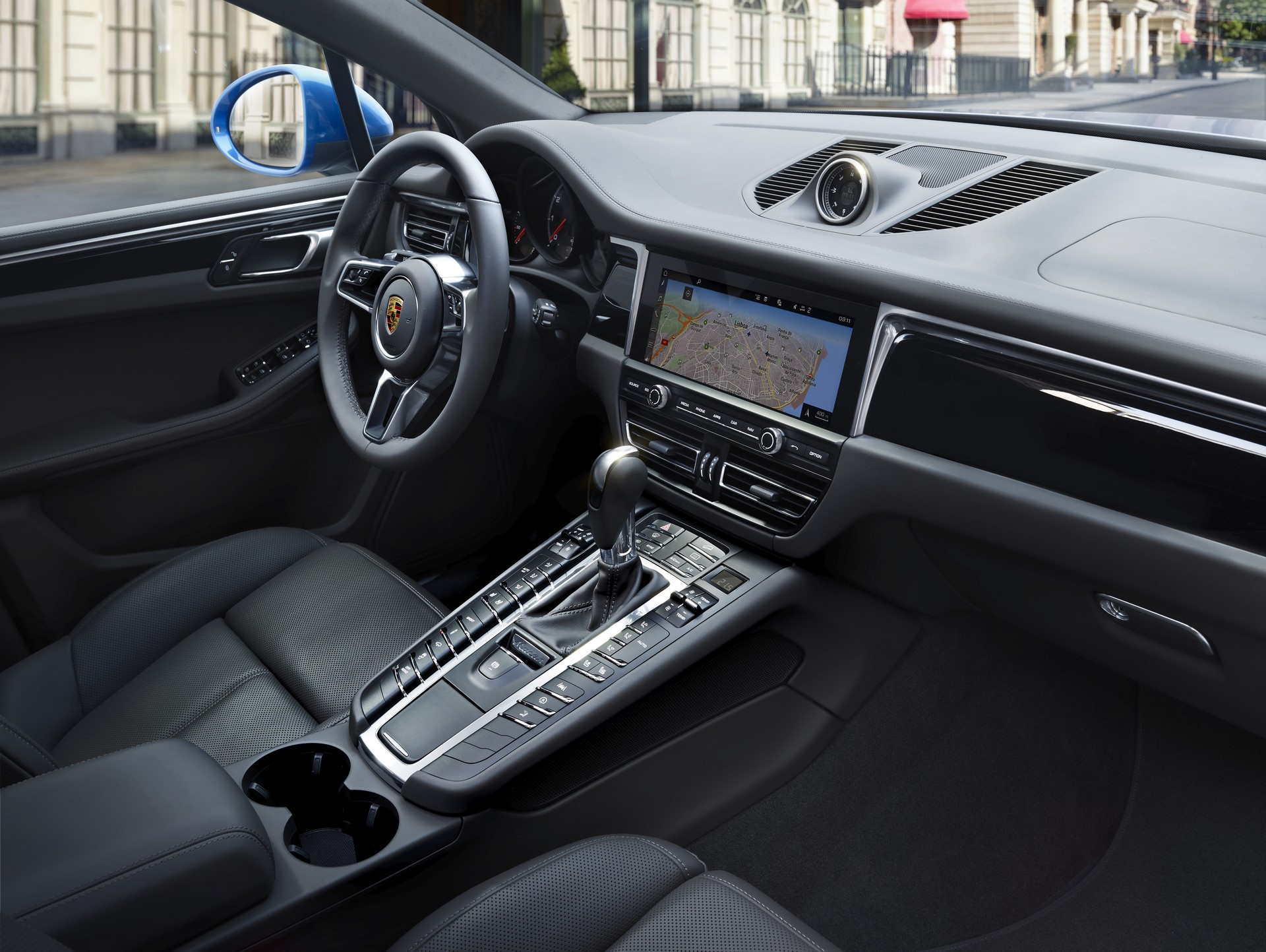 Porsche Macan Facelift Debut (8)