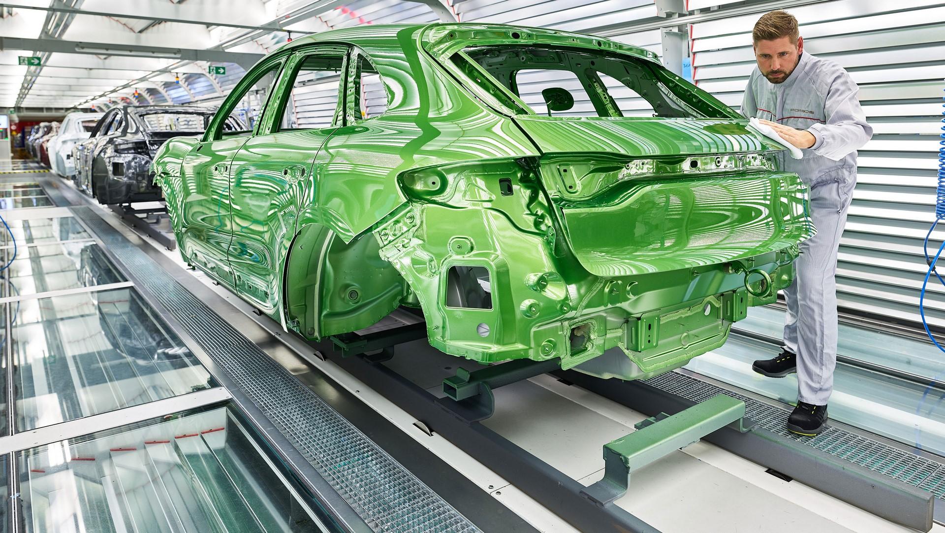 Porsche Macan facelift production plant start leipzig_2018_porsche_ag (2)
