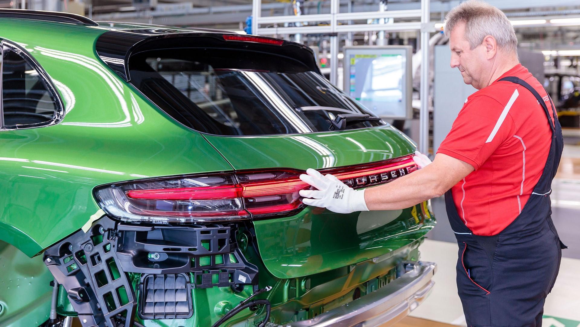 Porsche Macan facelift production plant start leipzig_2018_porsche_ag (3)