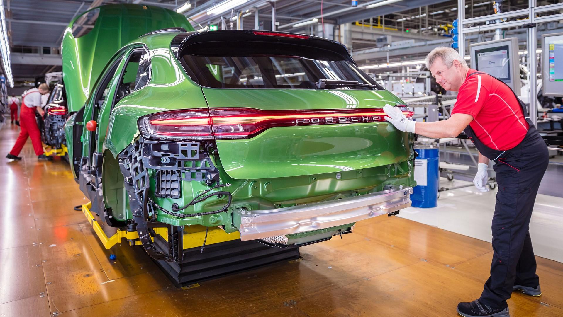 Porsche Macan facelift production plant start leipzig_2018_porsche_ag (4)