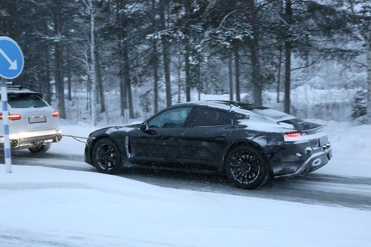 Porsche_Mission_E_Breaks_Down_0000