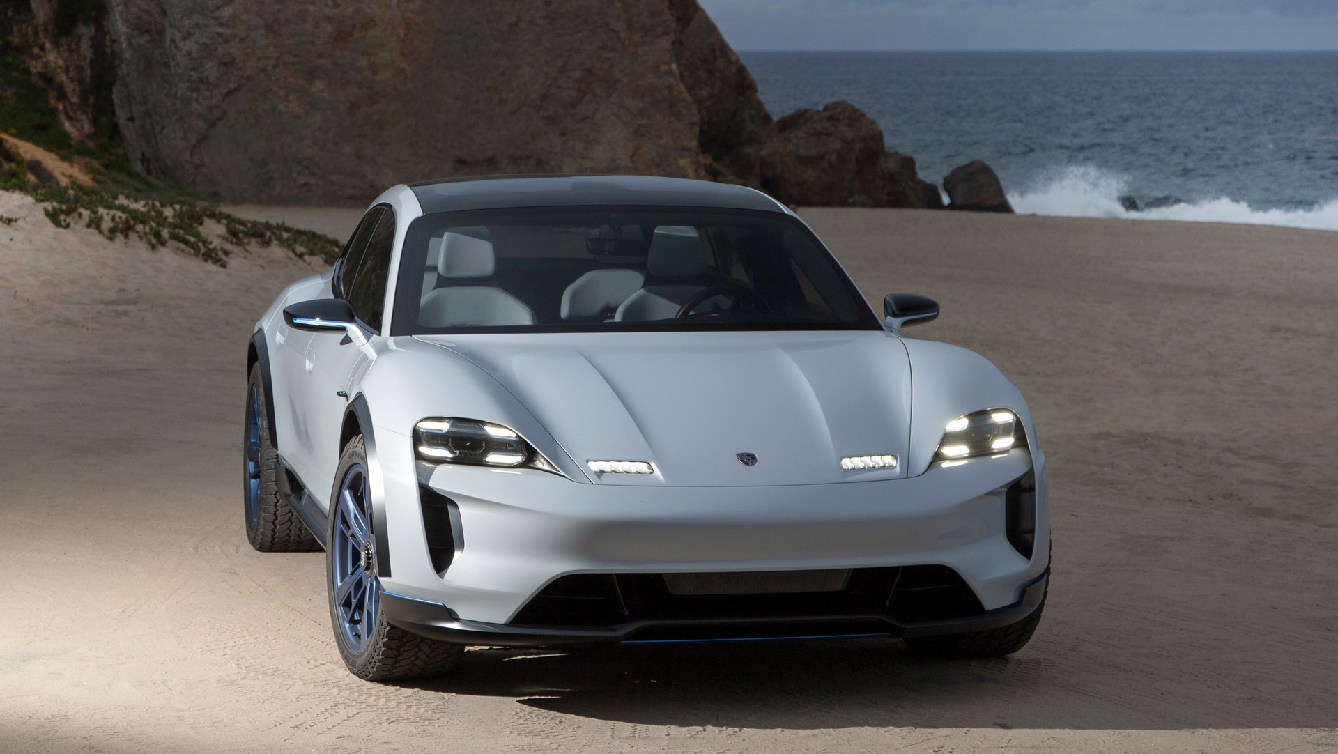 Porsche Mission E Cross Turismo (10)