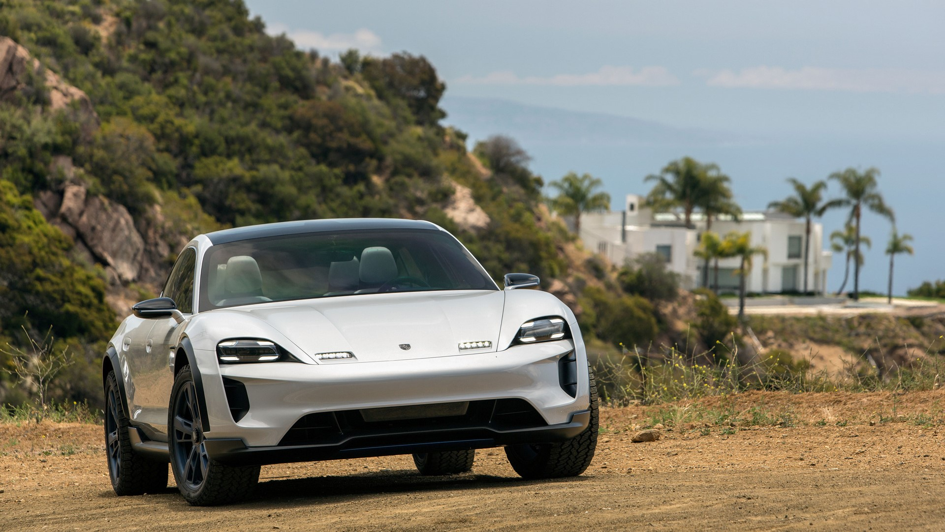 Porsche Mission E Cross Turismo (15)