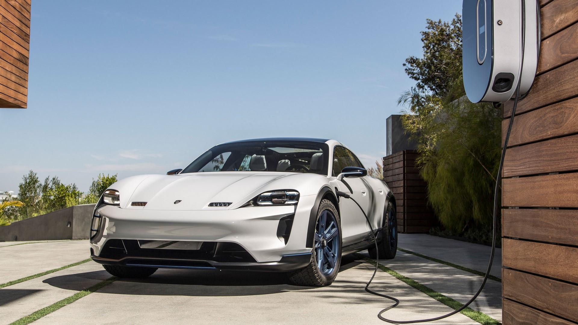 Porsche Mission E Cross Turismo (16)