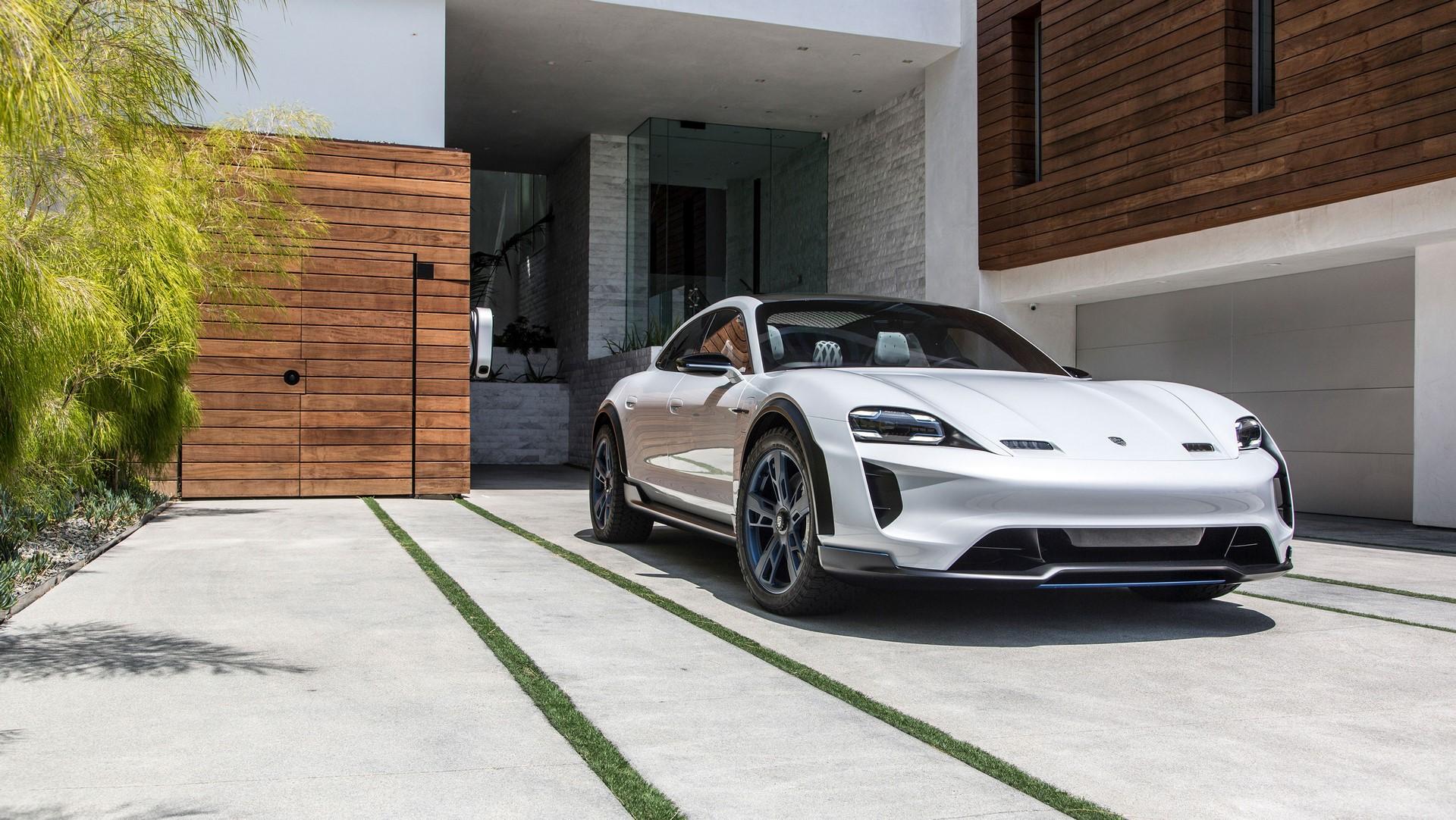 Porsche Mission E Cross Turismo (6)