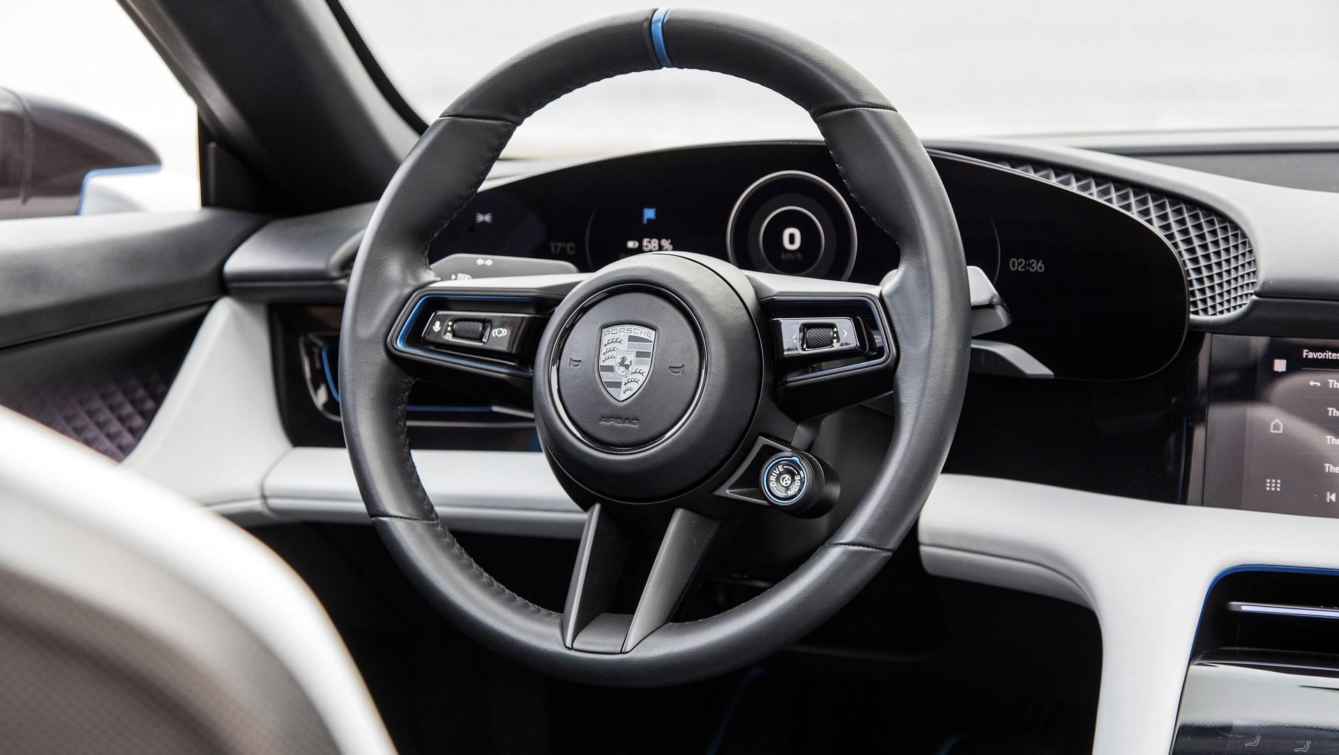 Porsche Mission E Cross Turismo (8)
