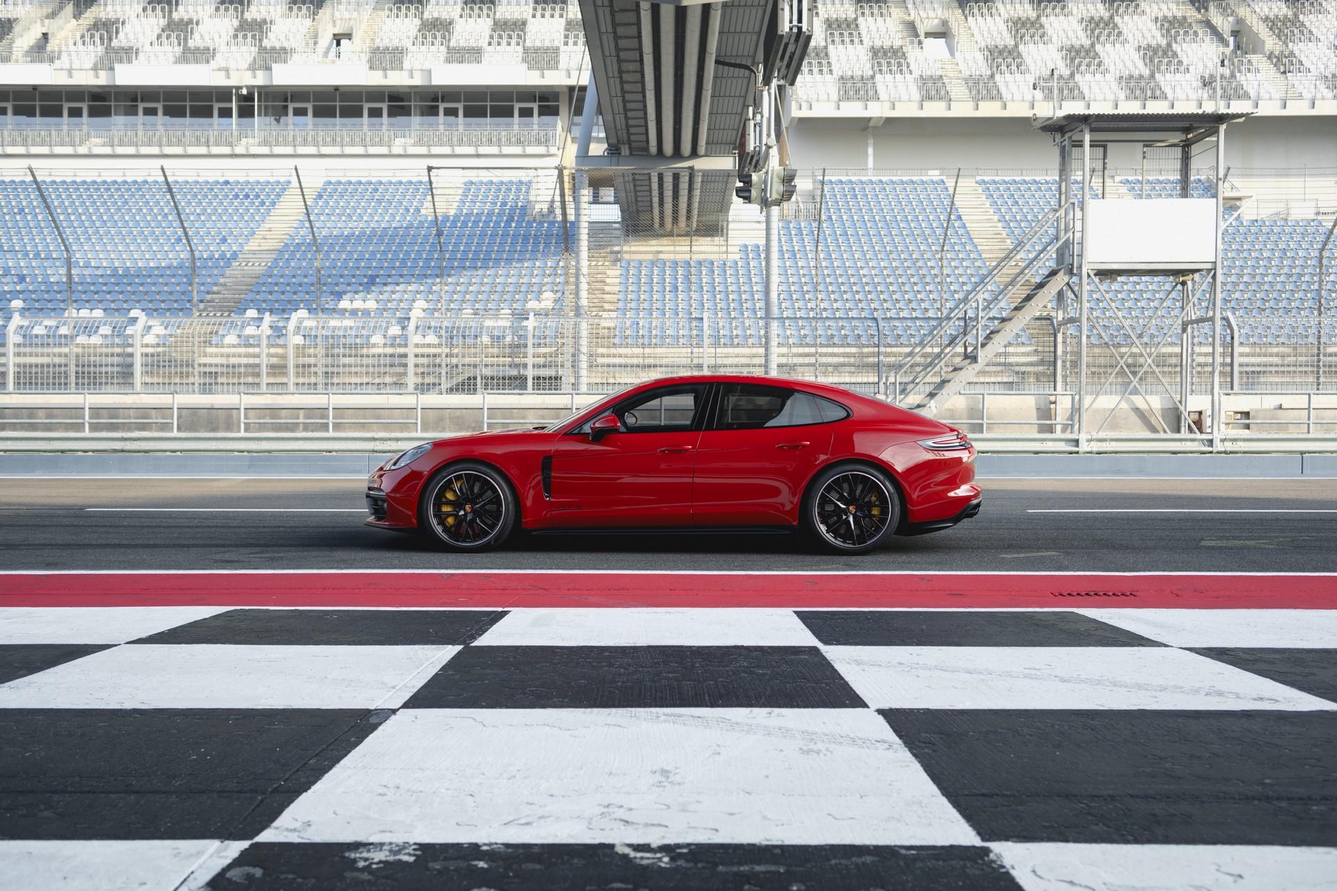 Porsche Panamera GTS and Panamera GTS Sport Turismo (1)