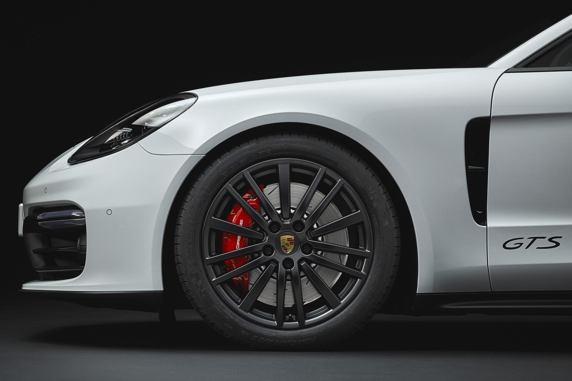 Porsche Panamera GTS and Panamera GTS Sport Turismo (10)