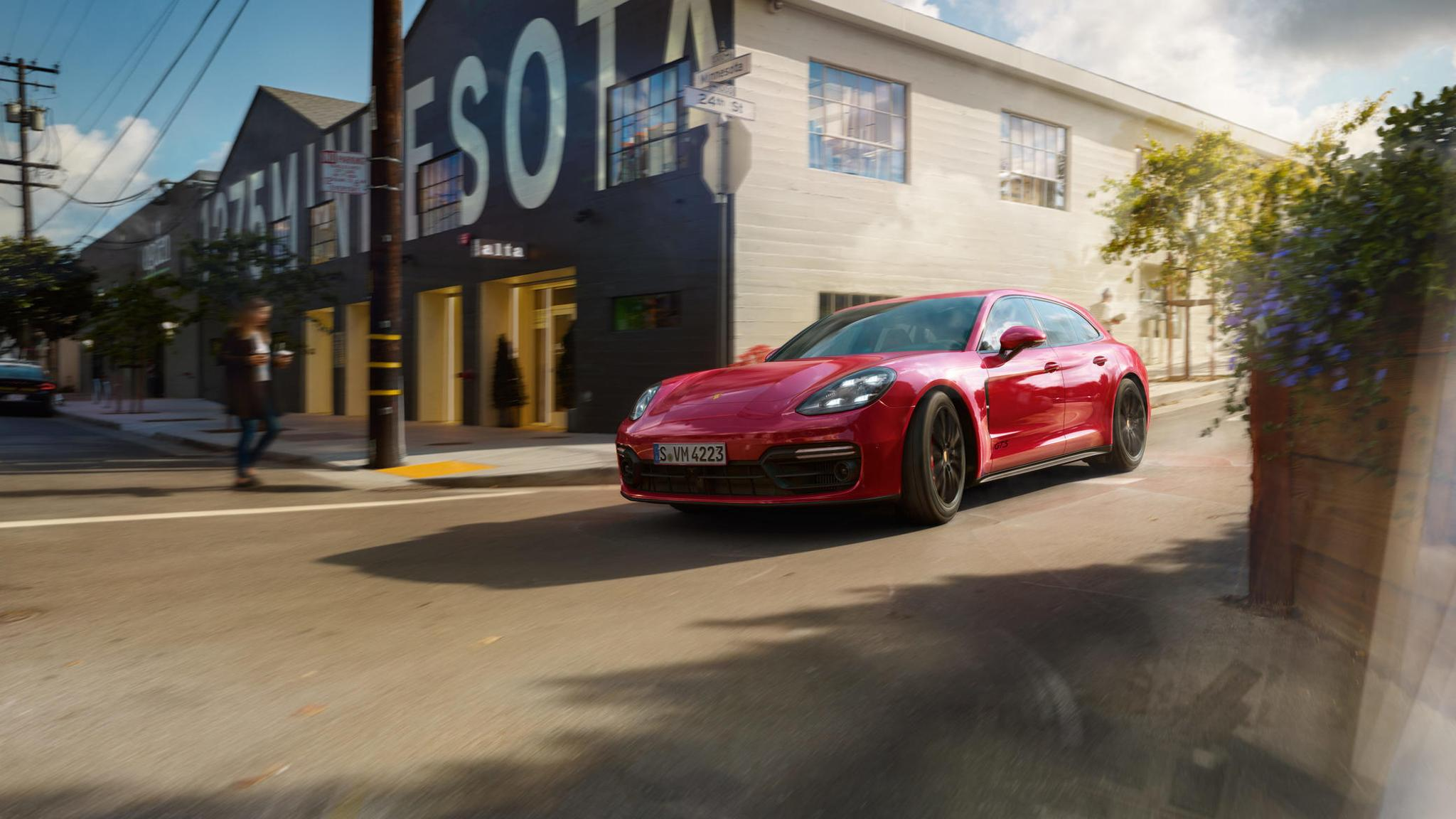 Porsche Panamera GTS and Panamera GTS Sport Turismo (13)