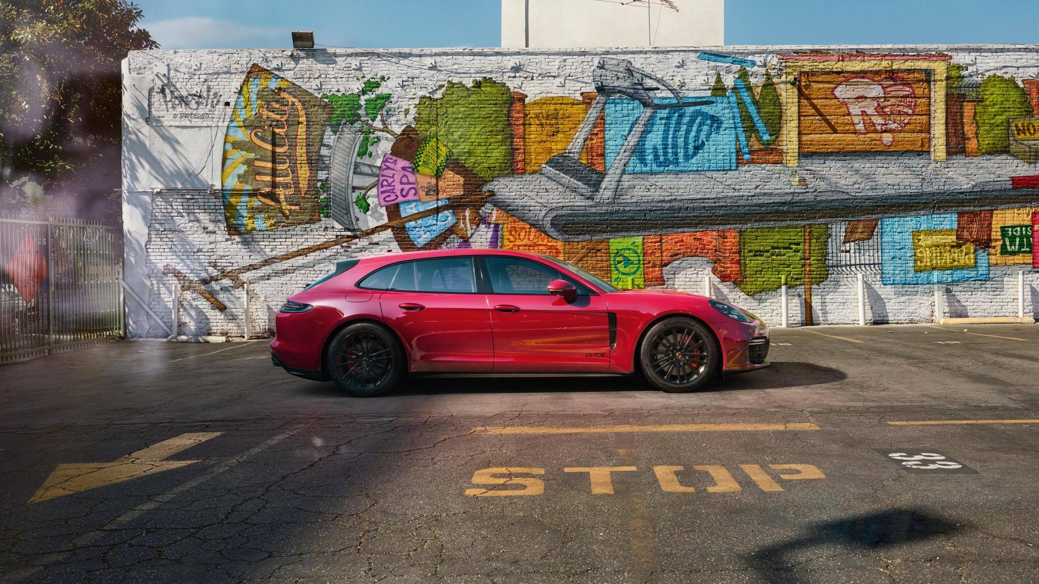 Porsche Panamera GTS and Panamera GTS Sport Turismo (14)