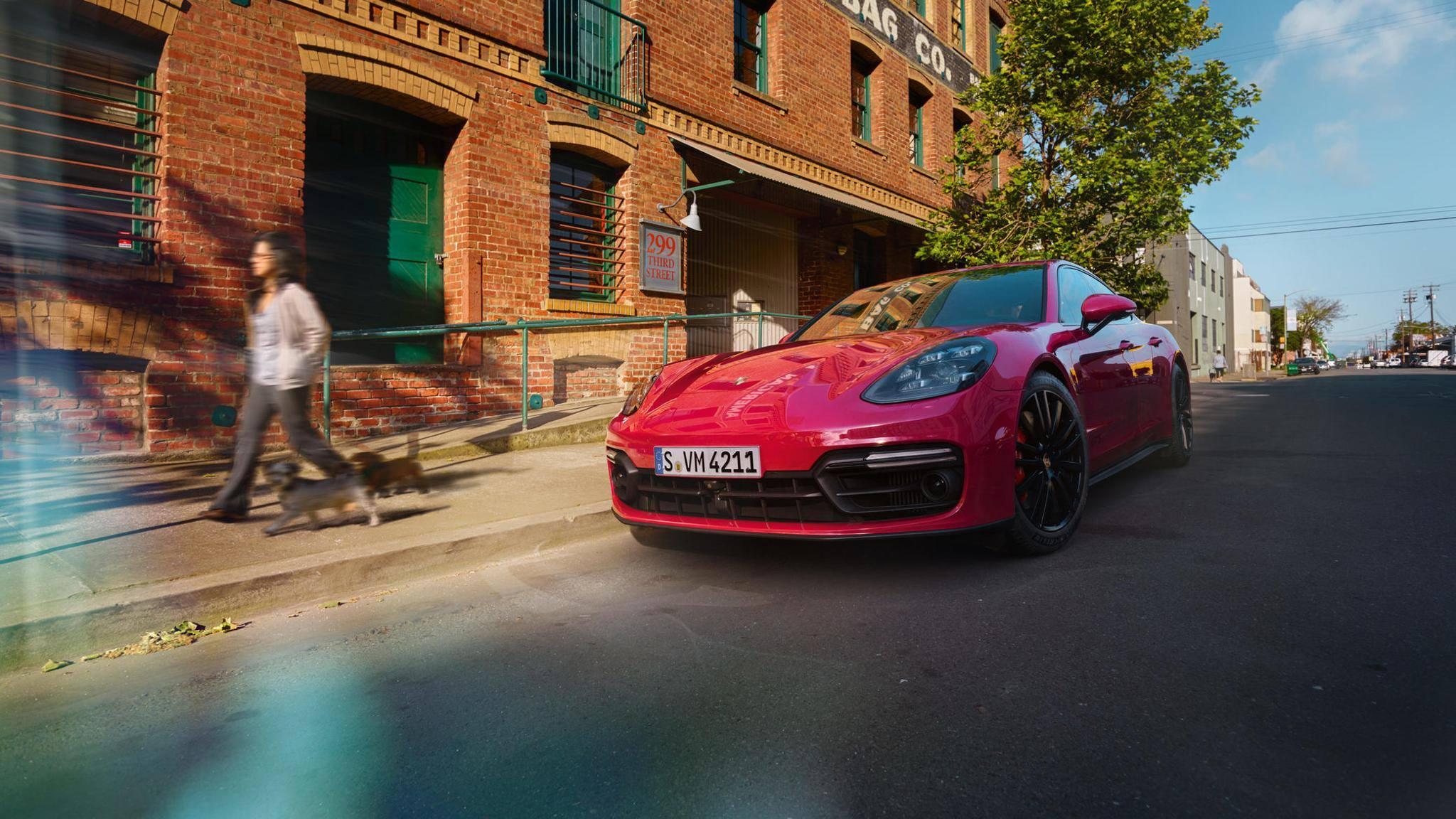 Porsche Panamera GTS and Panamera GTS Sport Turismo (16)
