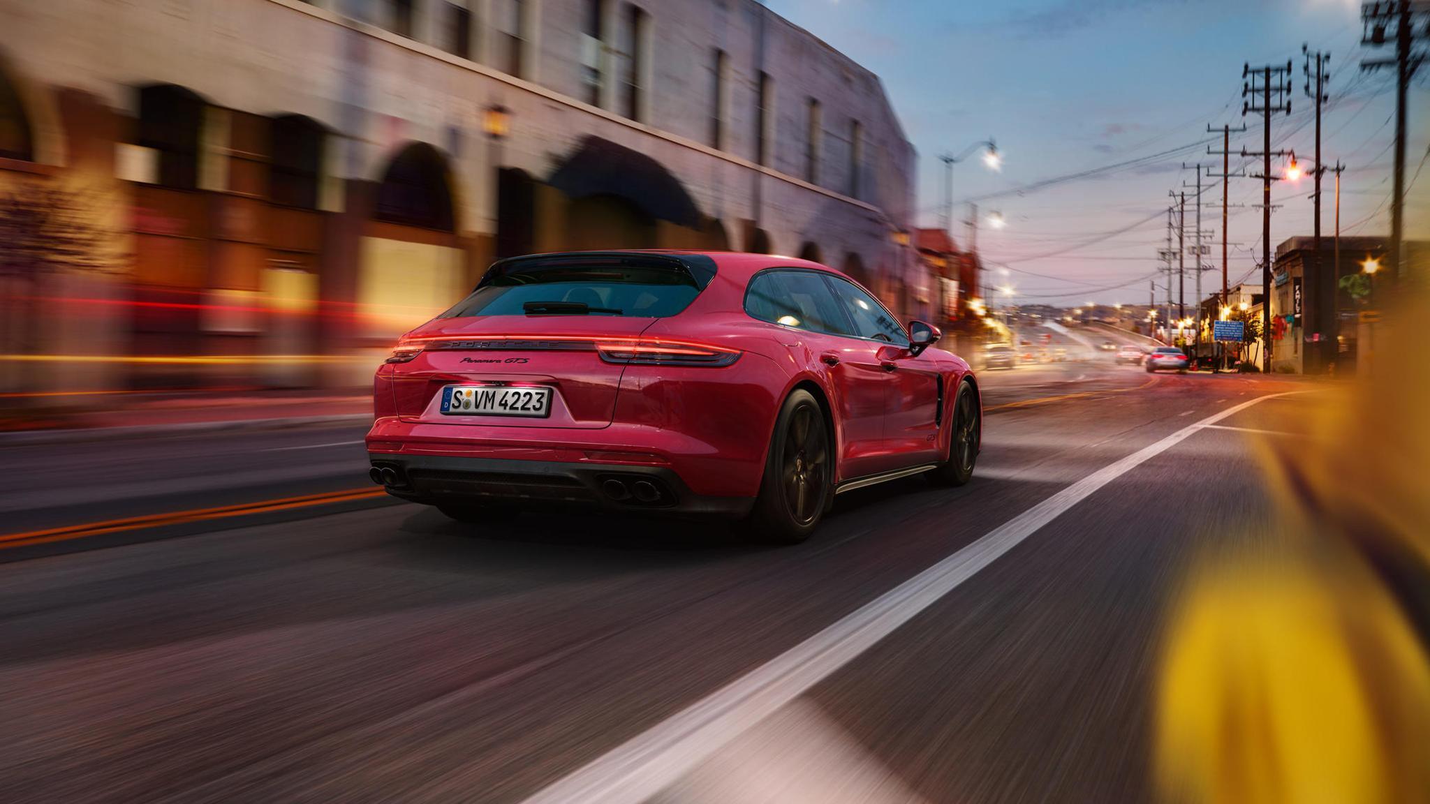 Porsche Panamera GTS and Panamera GTS Sport Turismo (17)