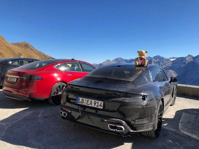 Porsche_Taycan_benchmarked_Tesla_Model_S_0005