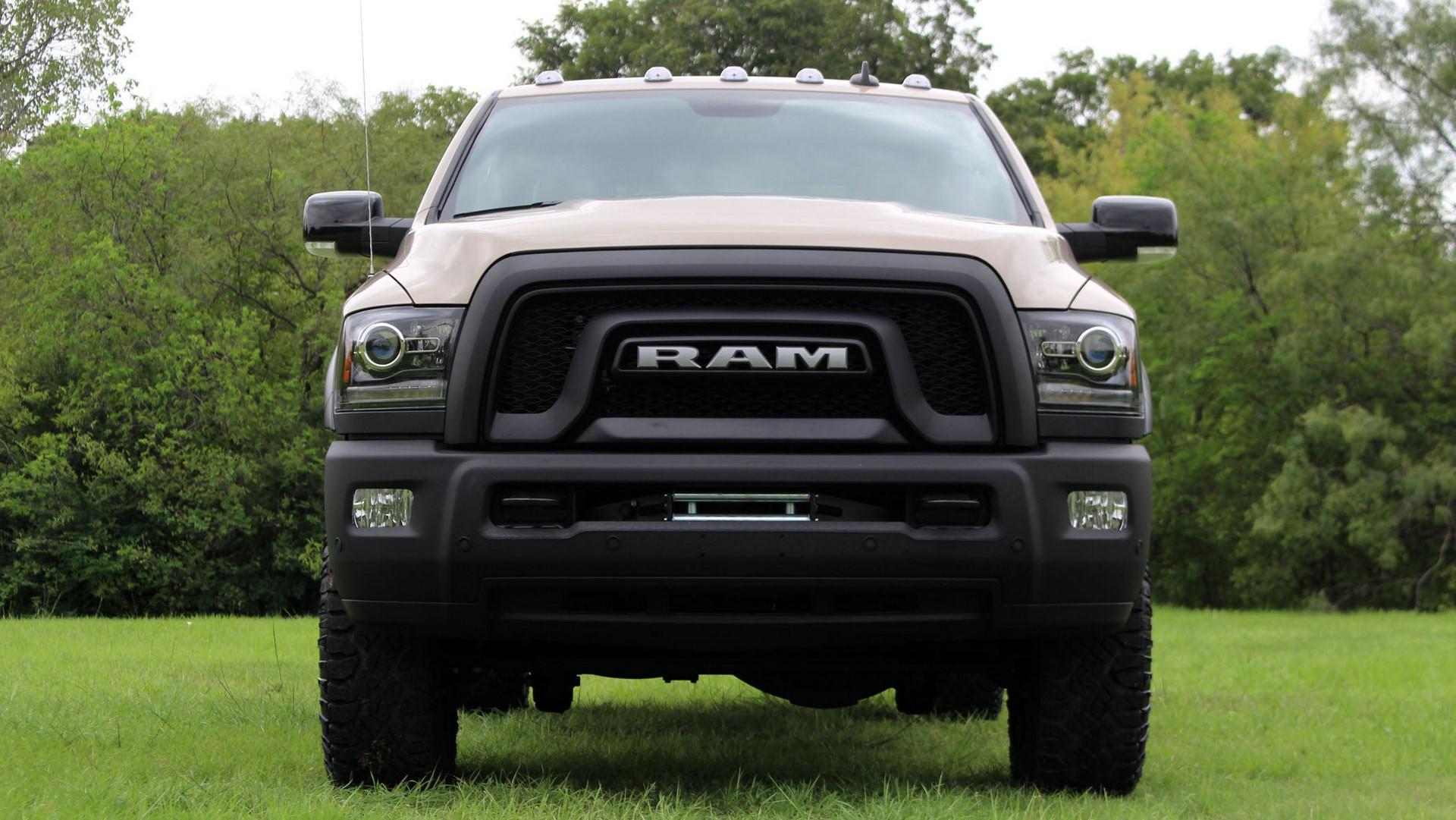 ram-2500-powerwagon-front-grille-4-1
