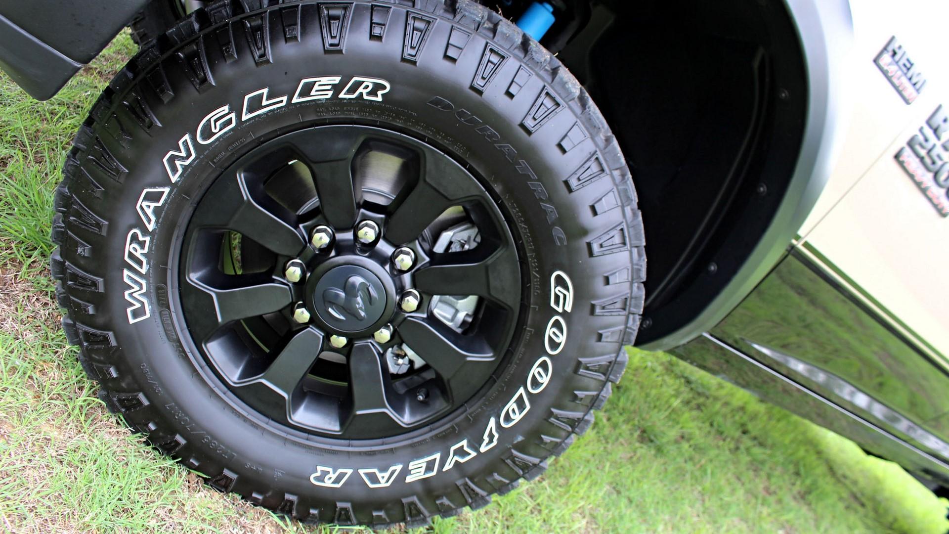 ram-2500-powerwagon-xtras-details-tire-3-wide-1