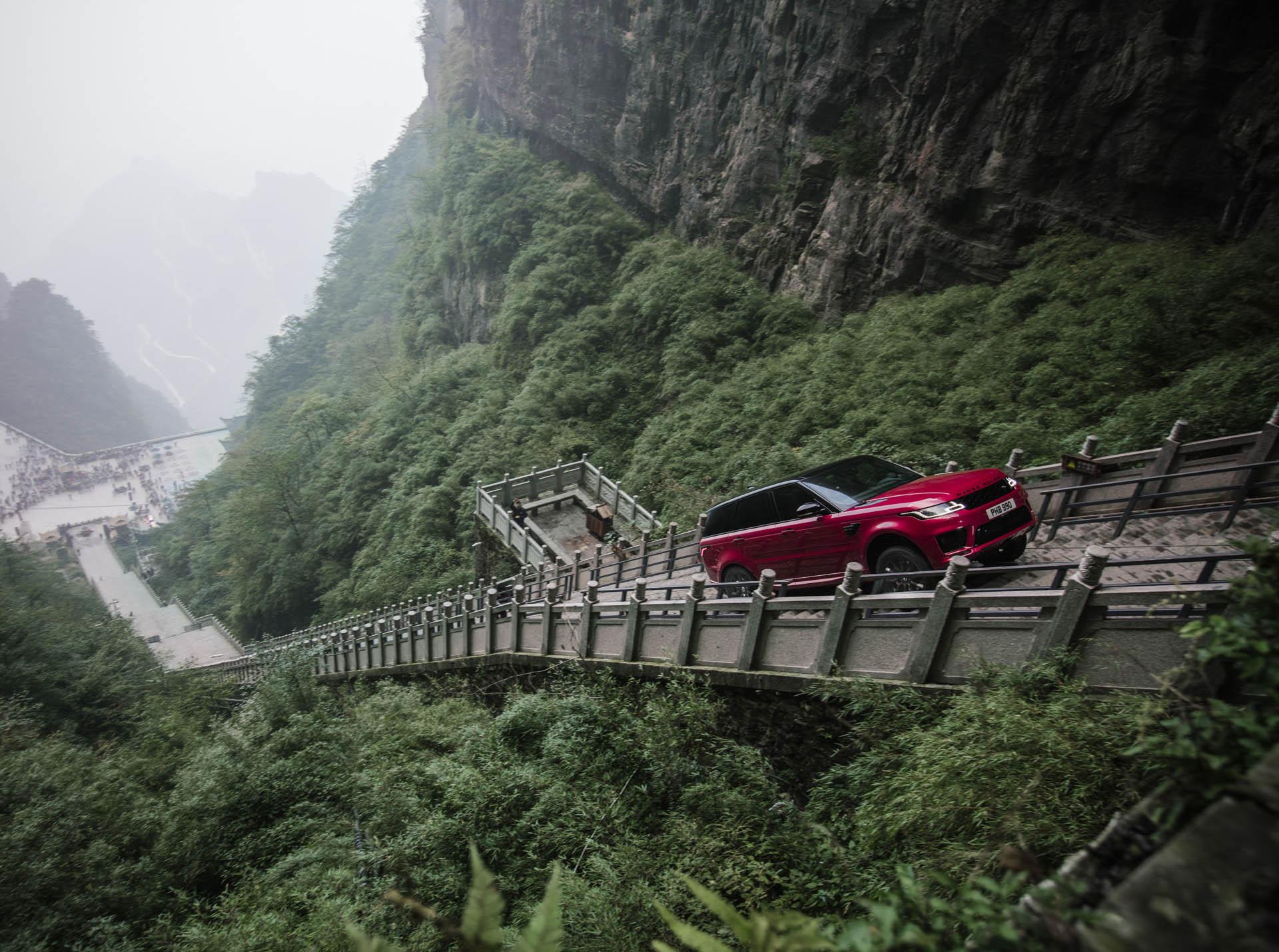 Range_Rover_Sport_PHEV_Dragon_Challenge_03