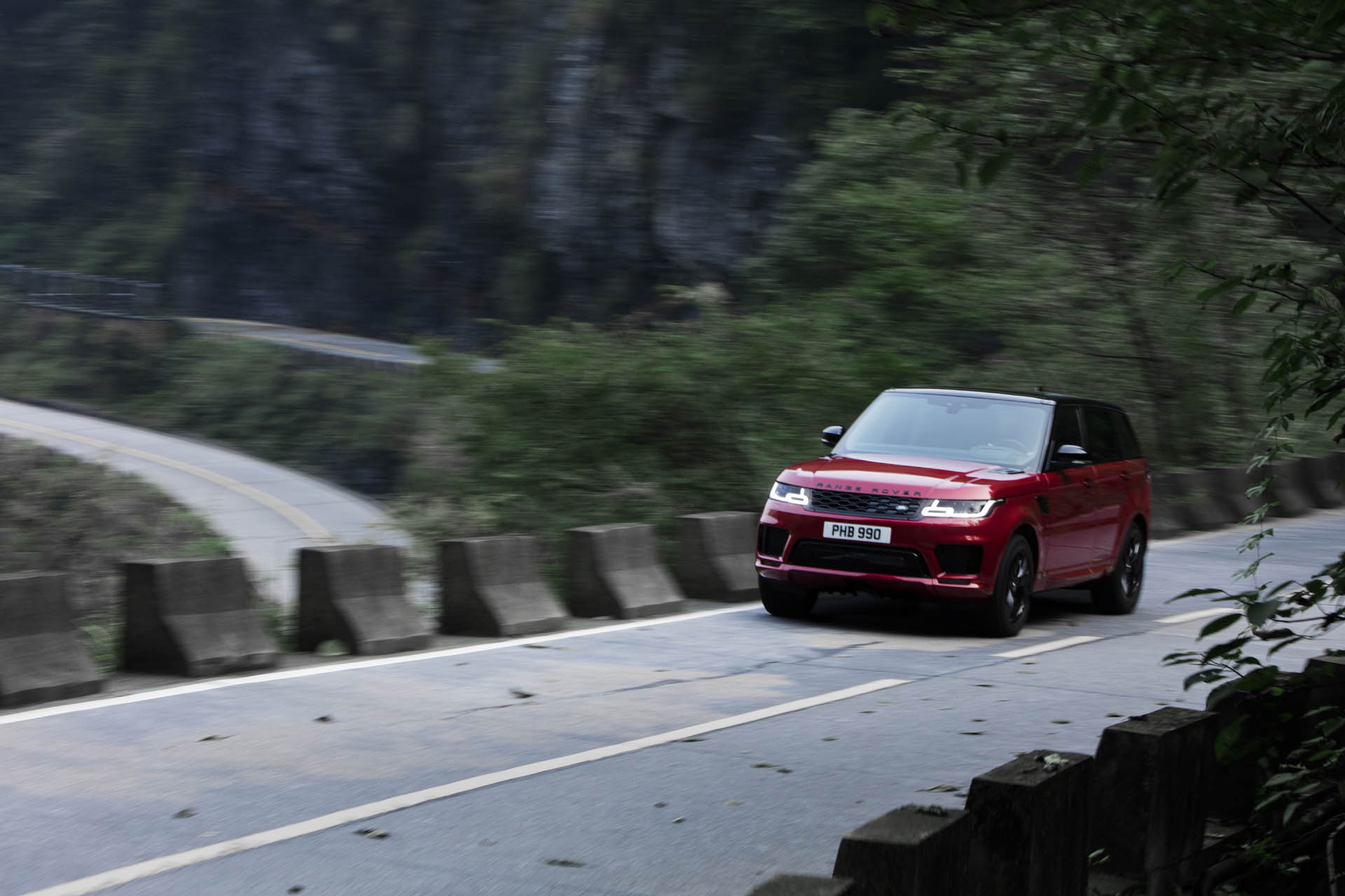 Range_Rover_Sport_PHEV_Dragon_Challenge_12