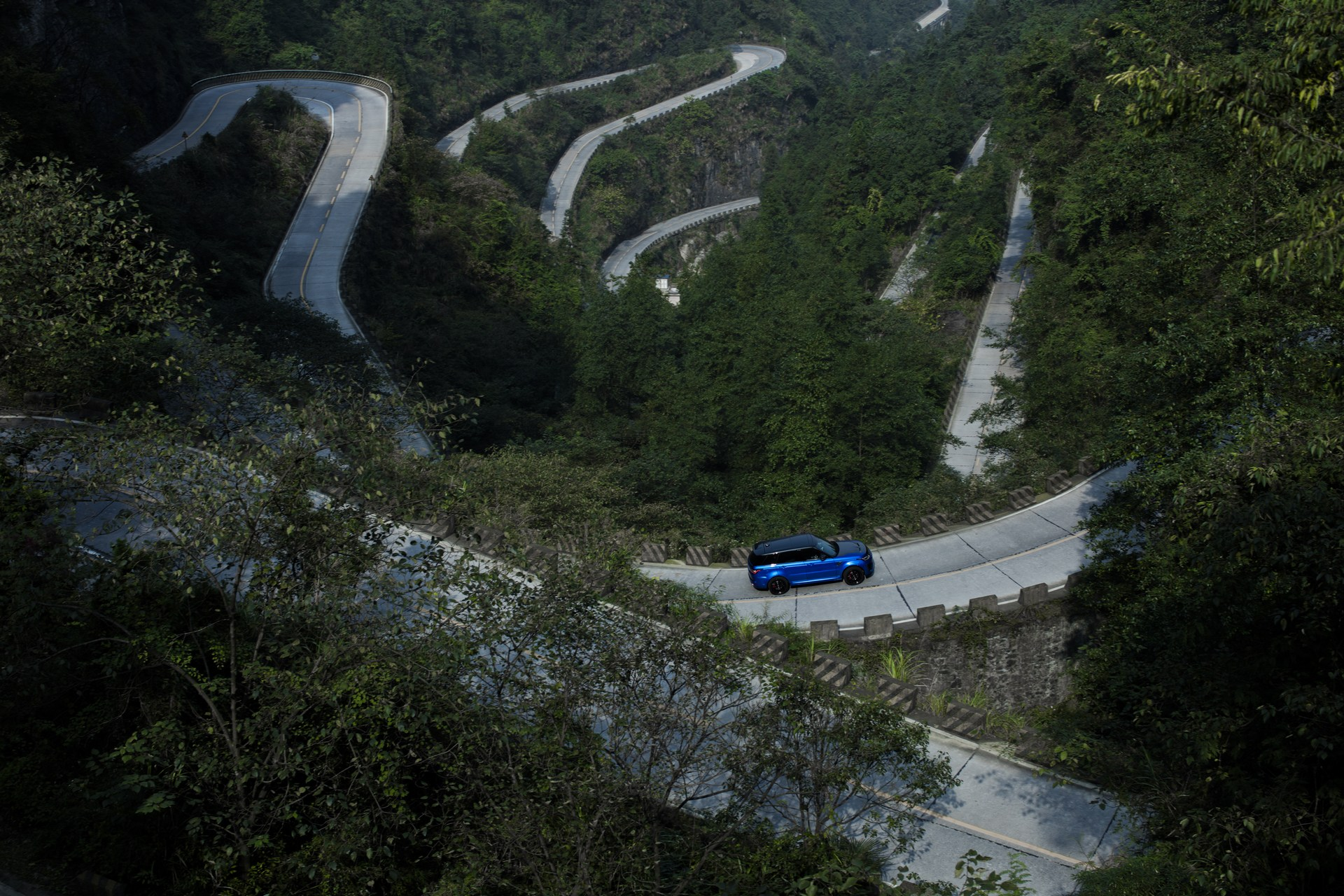 Range_Rover_Sport_SVR_0009