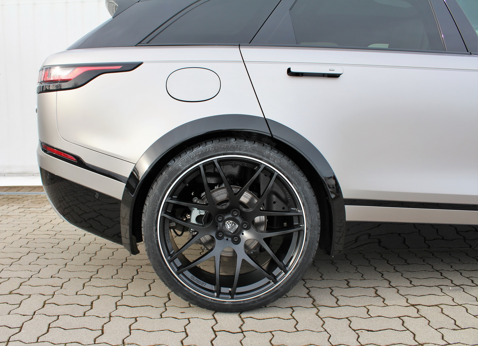 Range-Rover_Velar_Lumma_Design_0010
