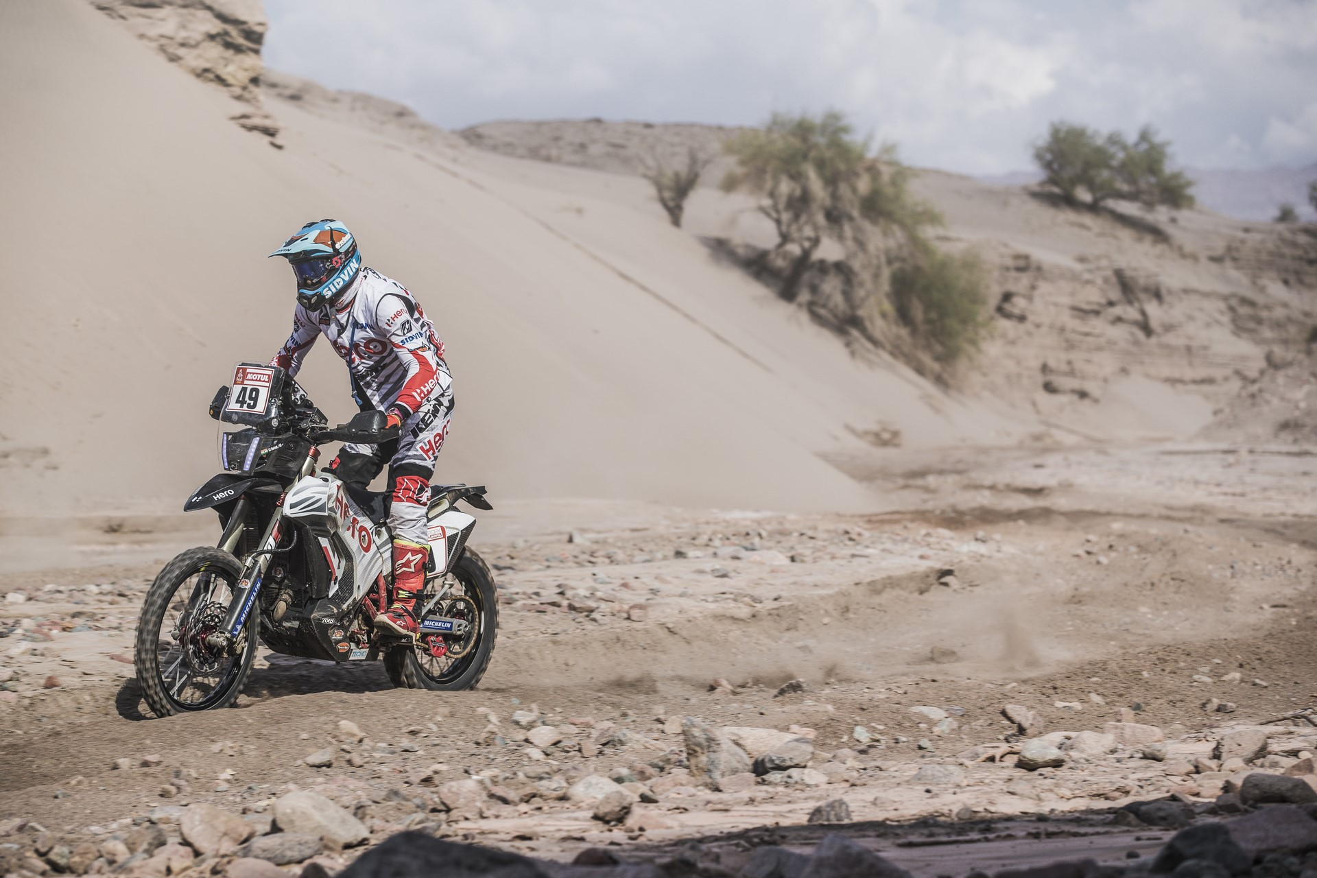 Santosh Shivashankar Chunchunguppe (IND) of Hero Motorsports Rally Team races during stage 11 of Rally Dakar 2018 from Belen to Chilecito, Argentina on January 17, 2018.