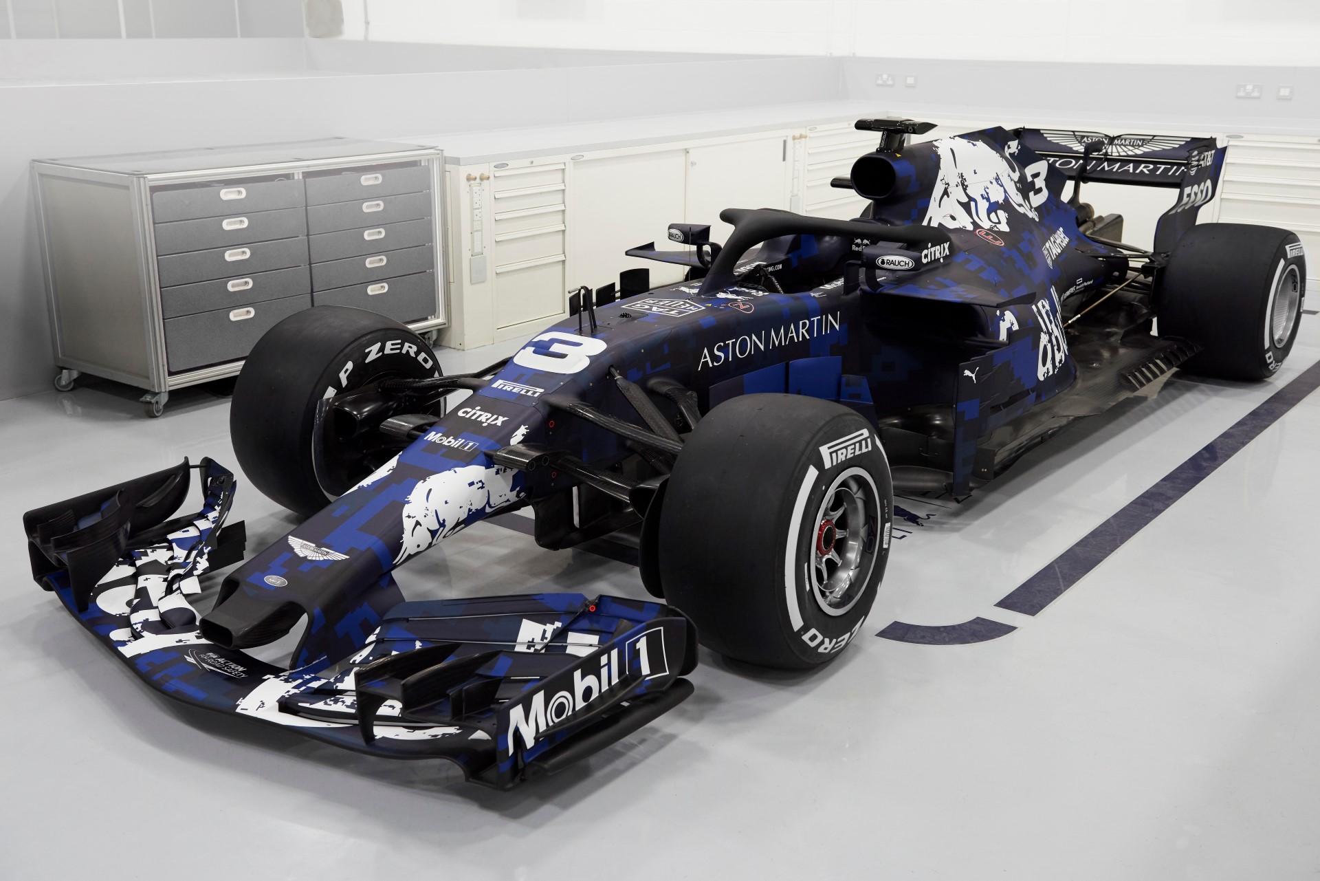 Red Bull RB14 3