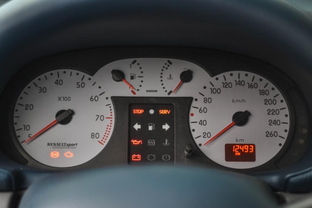 Renault Clio V6 (10)