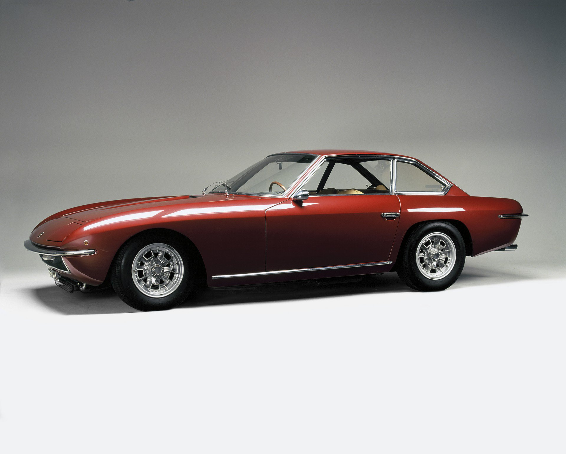 Restored Lamborghini Islero and Espada (4)