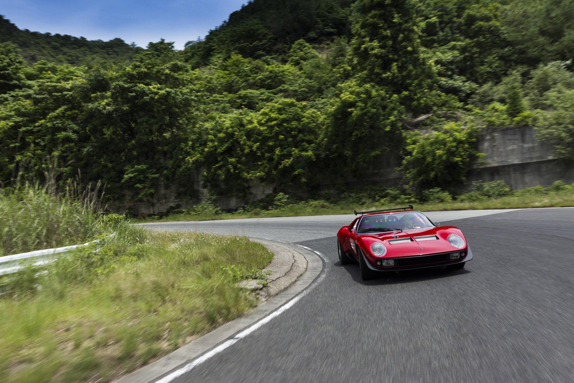 Restored Lamborghini Miura SVR (13)