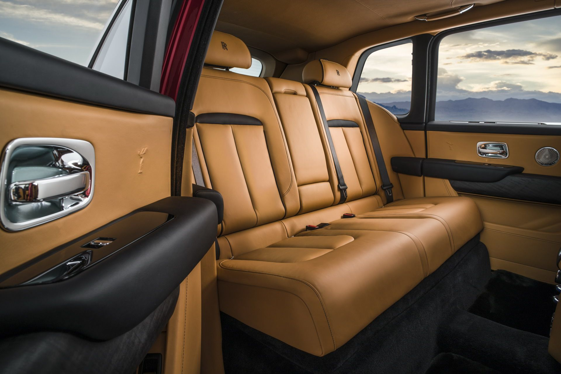 Rolls Royce Cullinan (13)