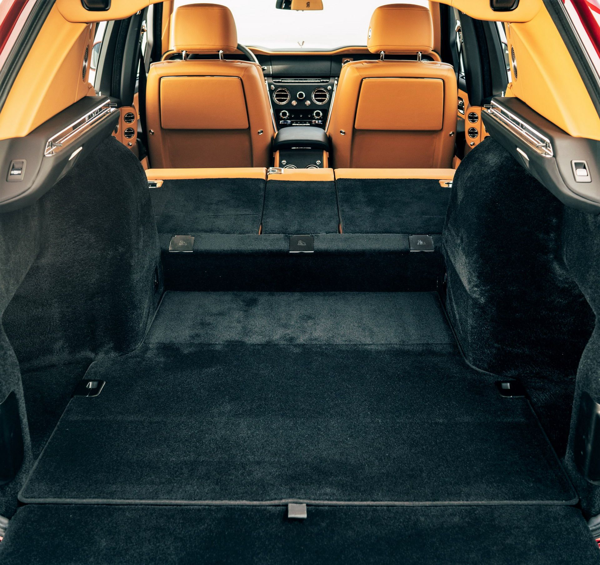 Rolls Royce Cullinan (15)