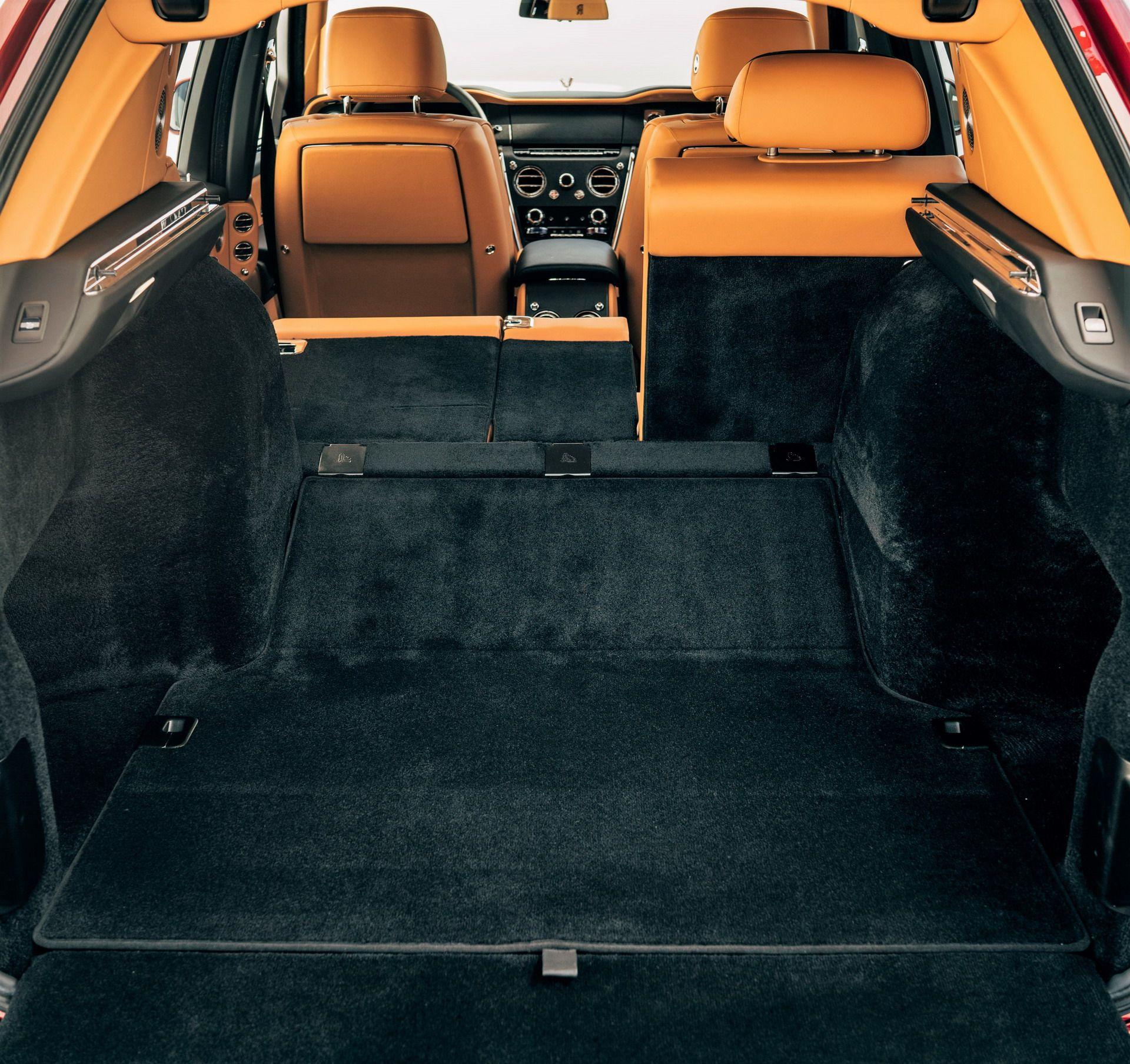 Rolls Royce Cullinan (16)