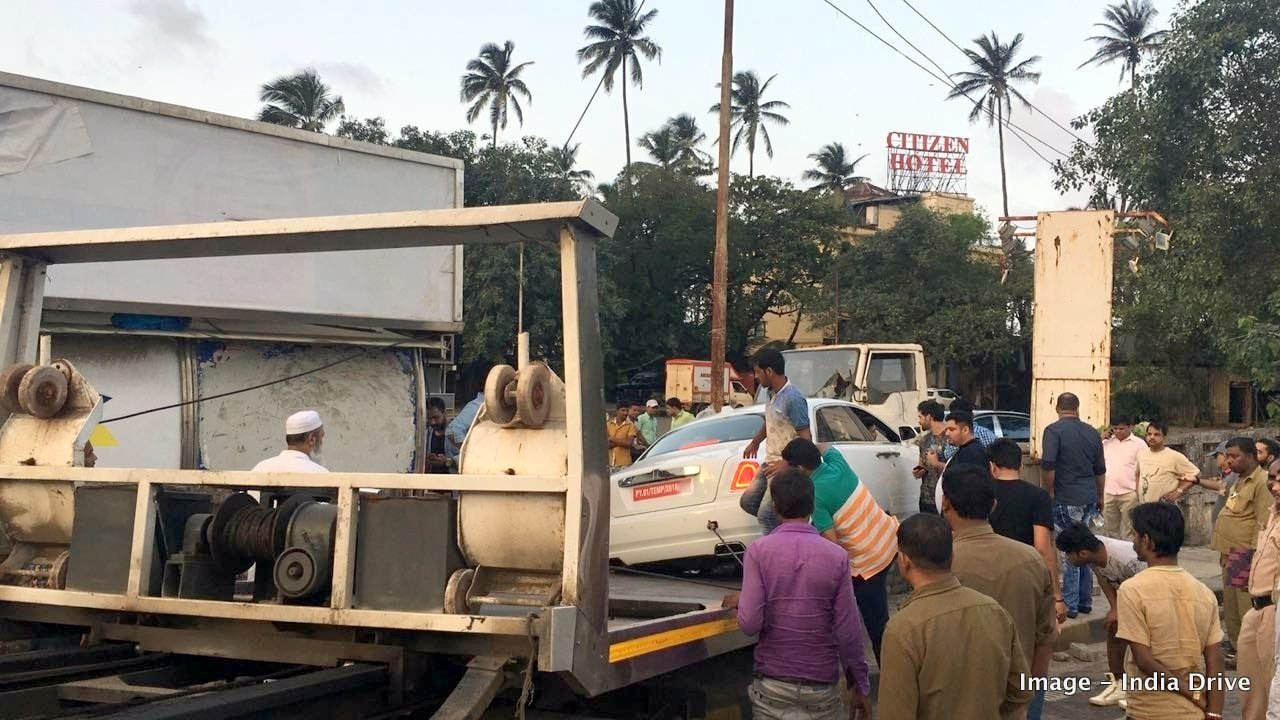 Rolls-Royce Ghost crash in India (4)