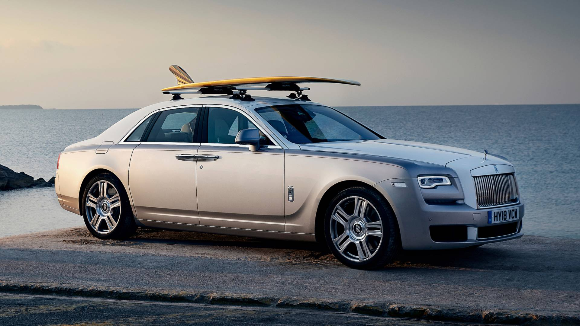 rolls-royce-ghost-custom-surfboard (1)