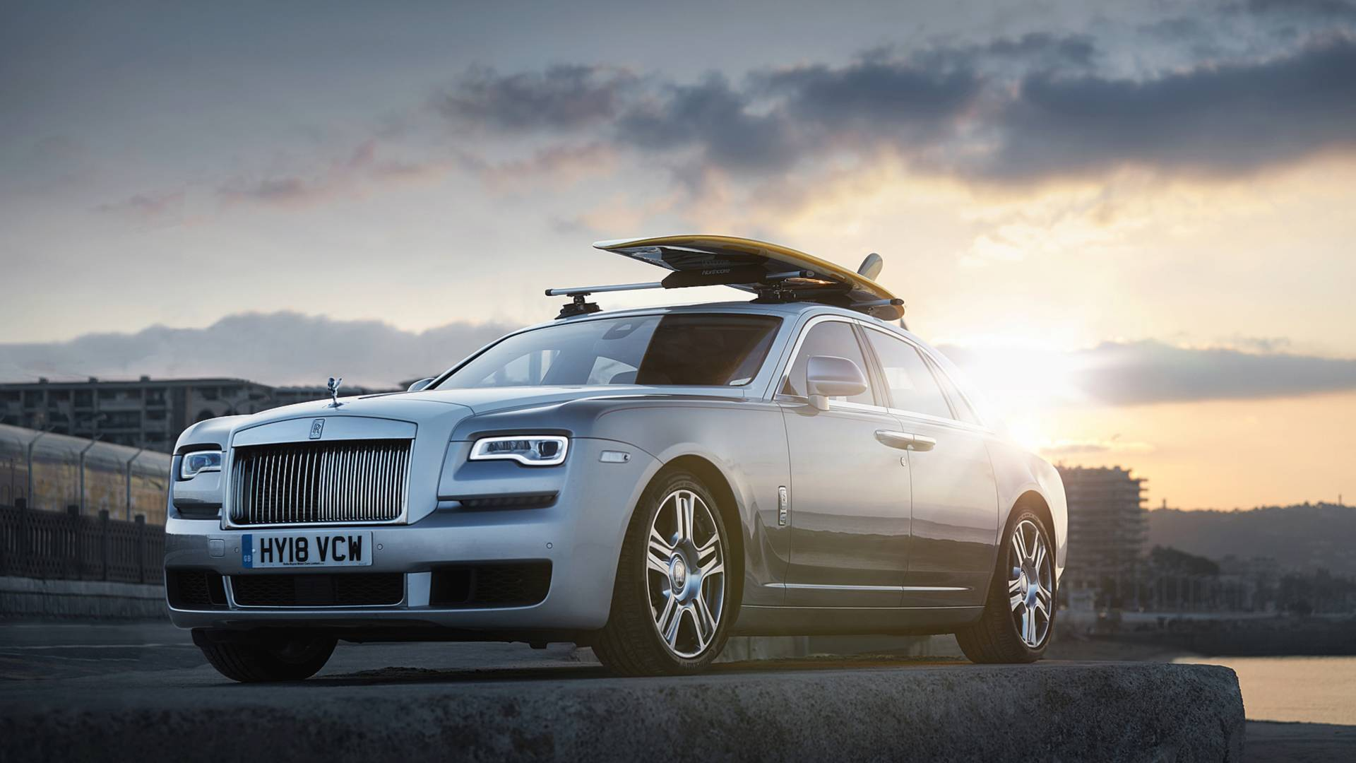 rolls-royce-ghost-surfboard (1)