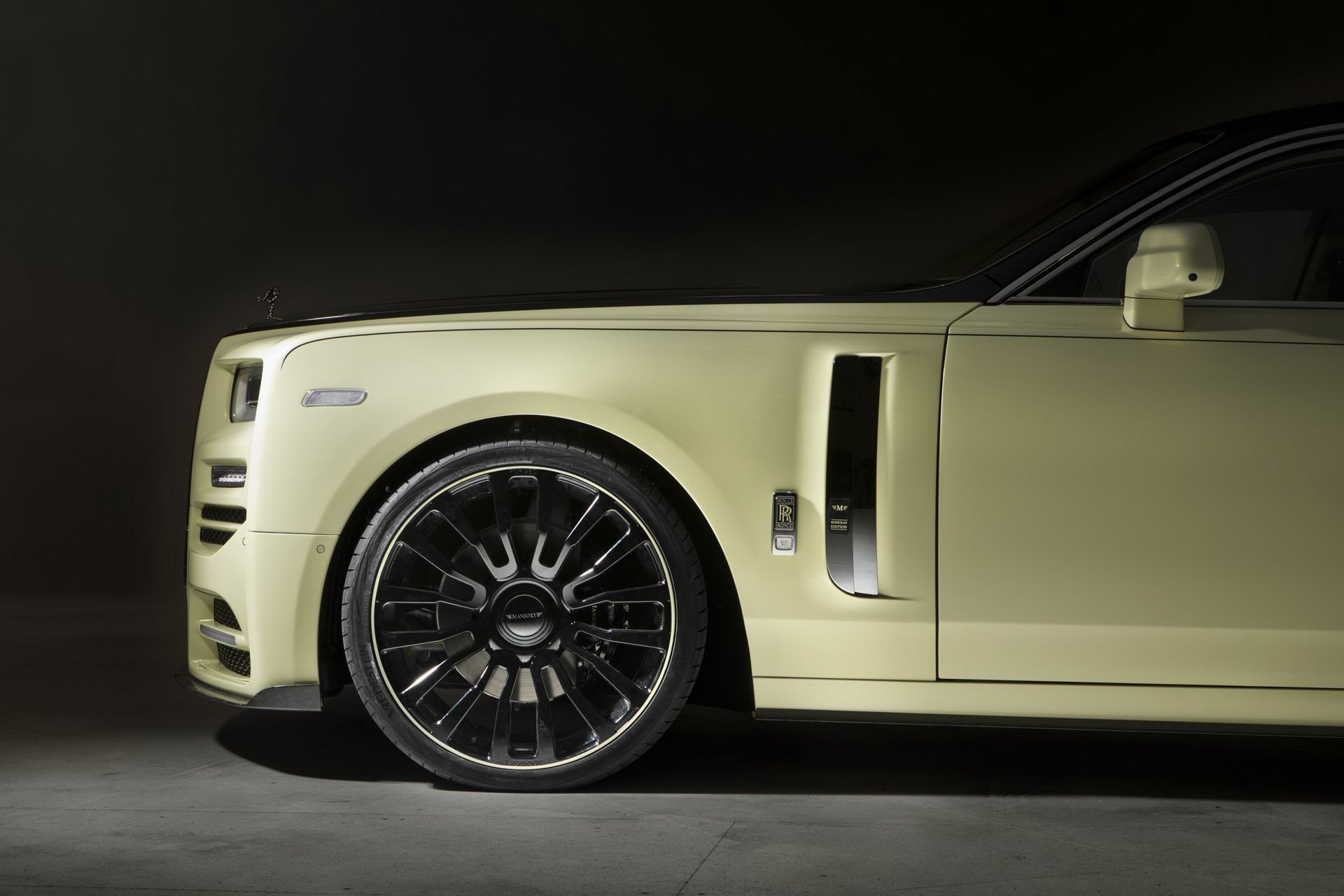 Rolls-Royce_Phantom_by_Mansory_0012