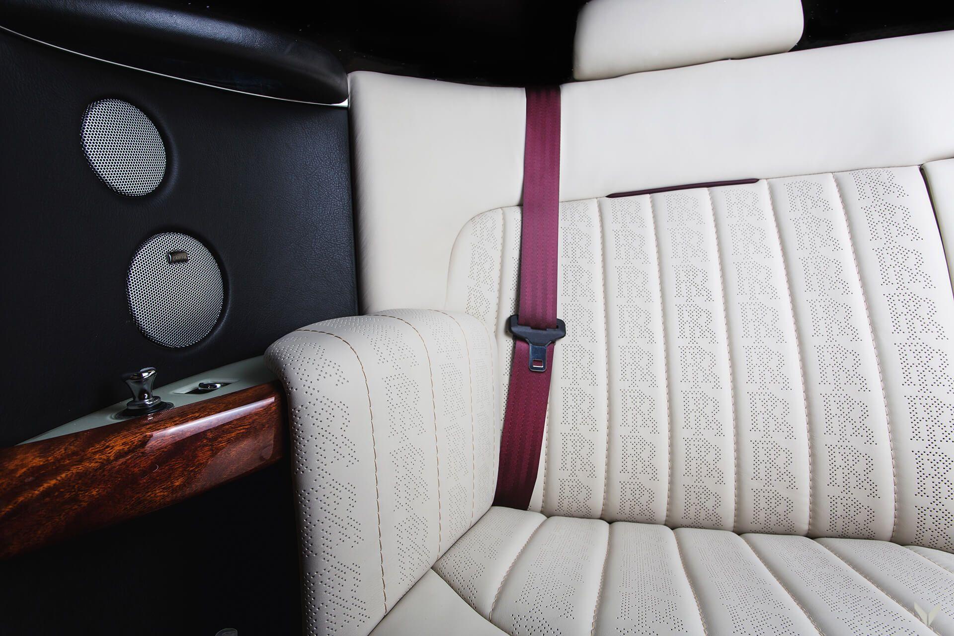 Rolls-Royce_Phantom_Drophead_Coupe_By_Vilner_0009