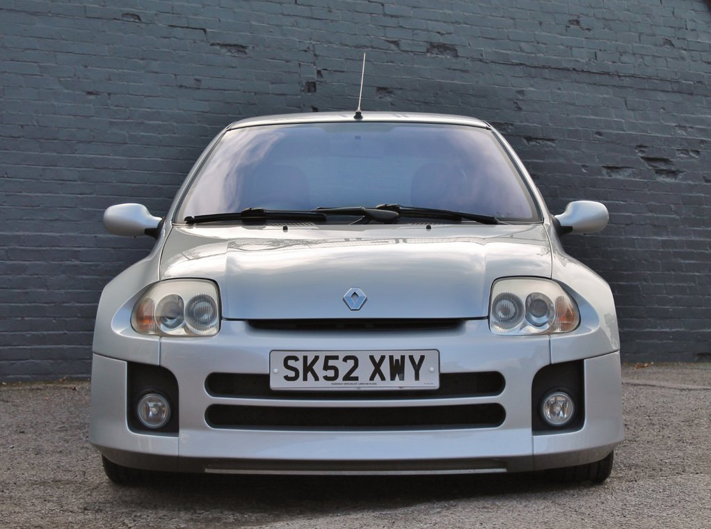 Silver Renault Clio V6 for auction (2)