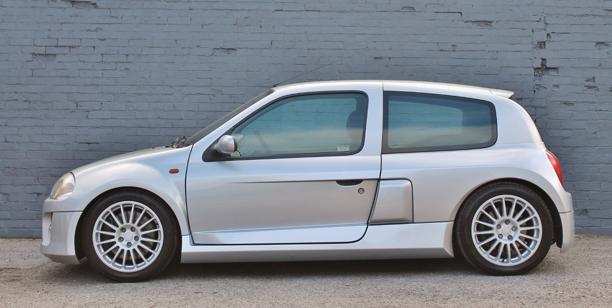 Silver Renault Clio V6 for auction (3)