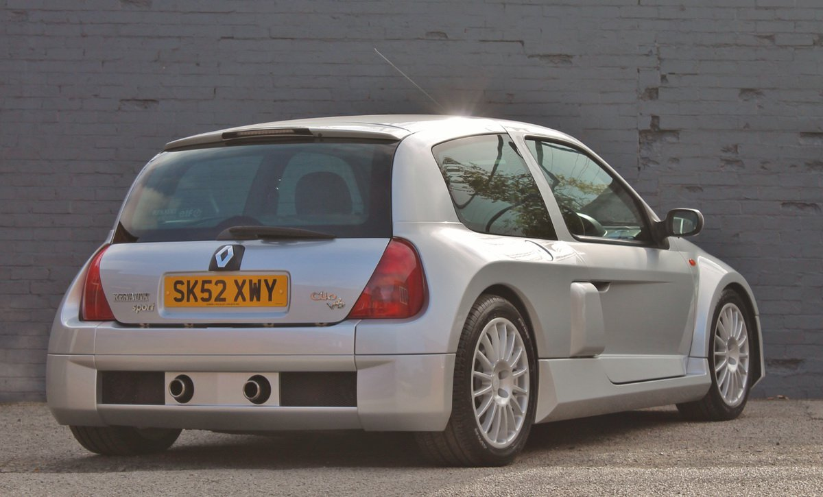 Silver Renault Clio V6 for auction (5)